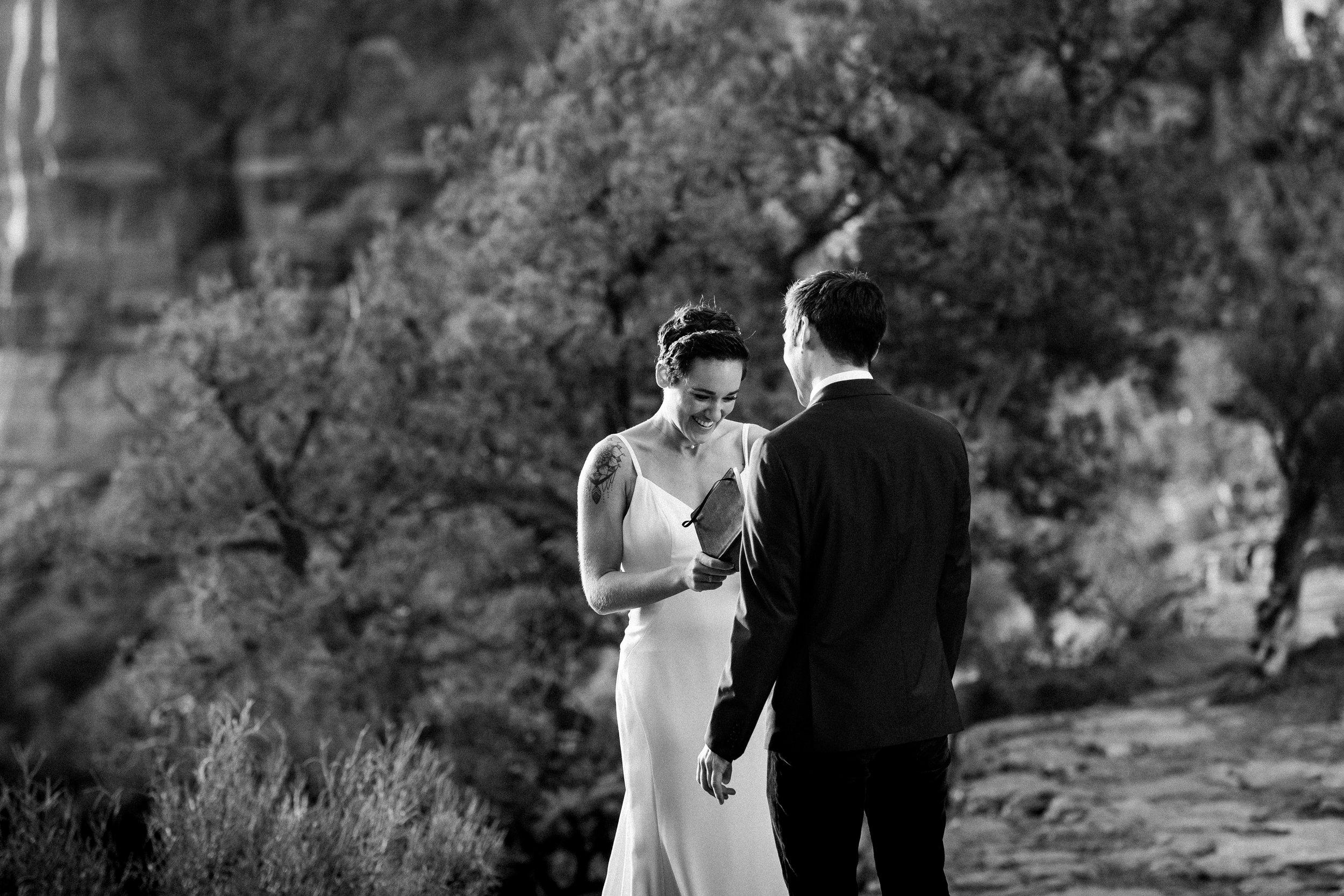 nicole-daacke-photography-sedona-arizona-destination-elopement-wedding-photographer-catherdral-rock-hiking-elopement-sedona-river-elopement-photos-desert-rock-wedding-photographer-laid-back-spontaneous-elopement-41.jpg