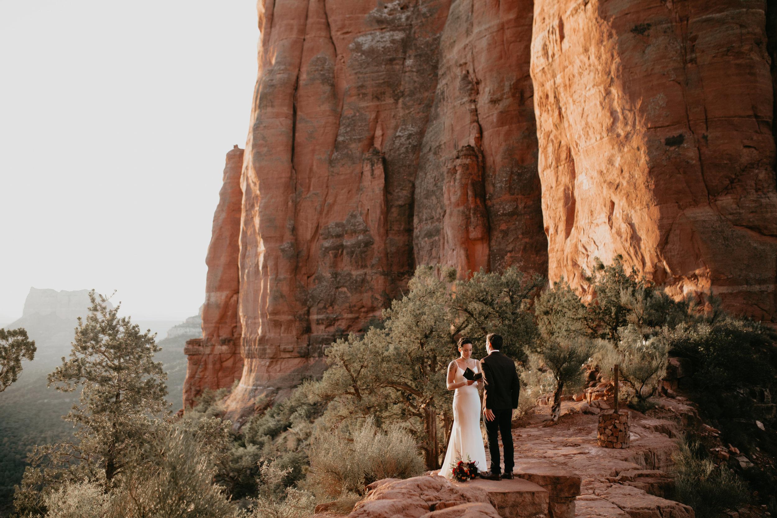 nicole-daacke-photography-sedona-arizona-destination-elopement-wedding-photographer-catherdral-rock-hiking-elopement-sedona-river-elopement-photos-desert-rock-wedding-photographer-laid-back-spontaneous-elopement-42.jpg