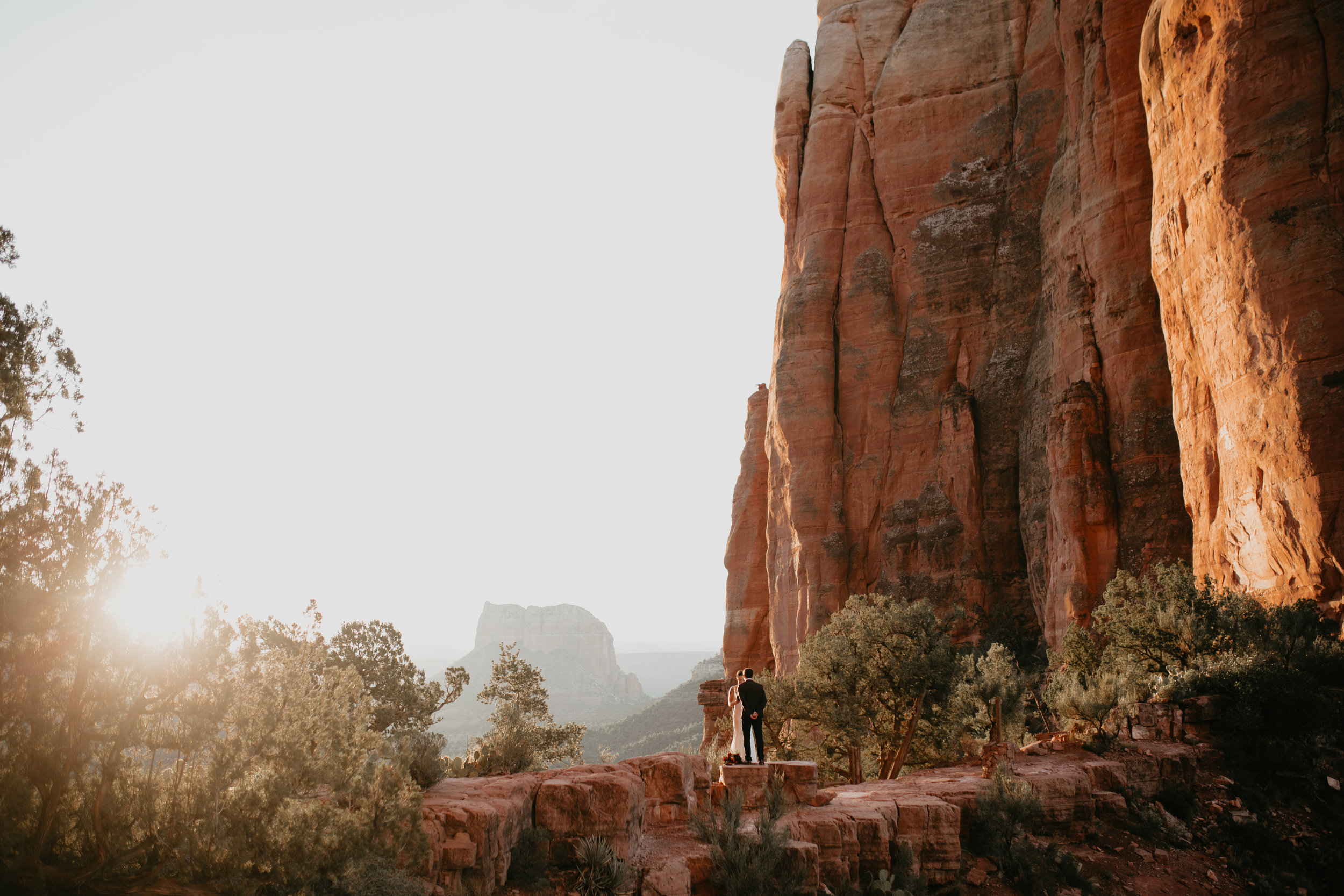 nicole-daacke-photography-sedona-arizona-destination-elopement-wedding-photographer-catherdral-rock-hiking-elopement-sedona-river-elopement-photos-desert-rock-wedding-photographer-laid-back-spontaneous-elopement-43.jpg