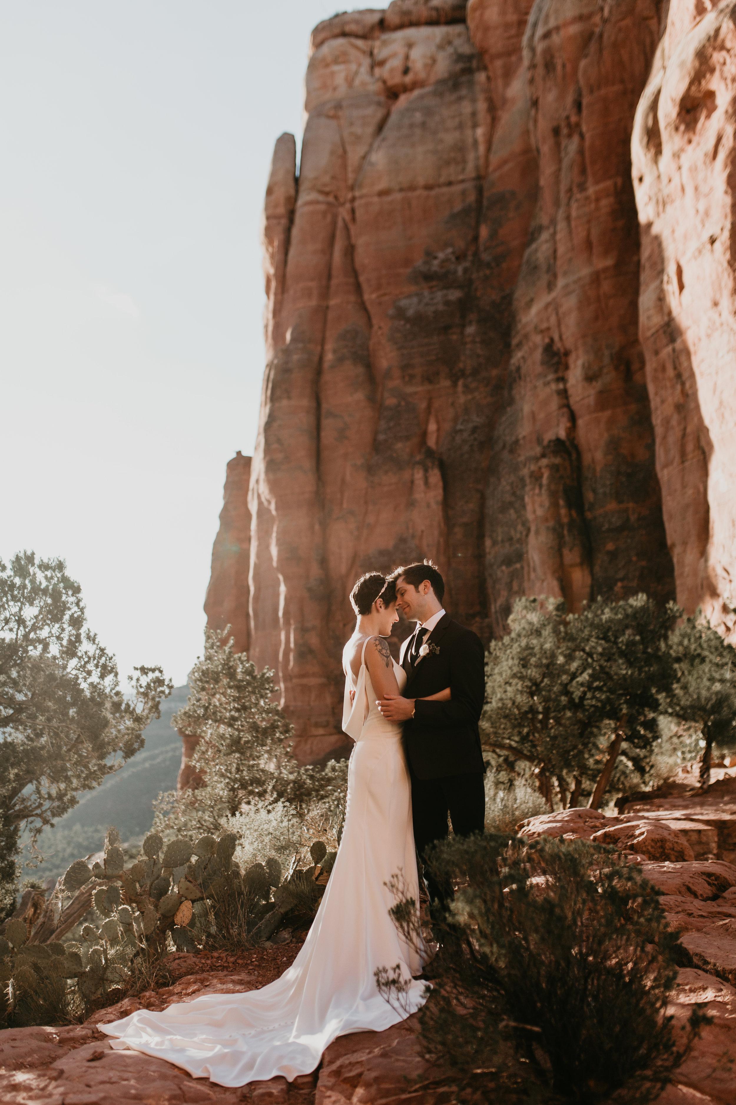 nicole-daacke-photography-sedona-arizona-destination-elopement-wedding-photographer-catherdral-rock-hiking-elopement-sedona-river-elopement-photos-desert-rock-wedding-photographer-laid-back-spontaneous-elopement-57.jpg