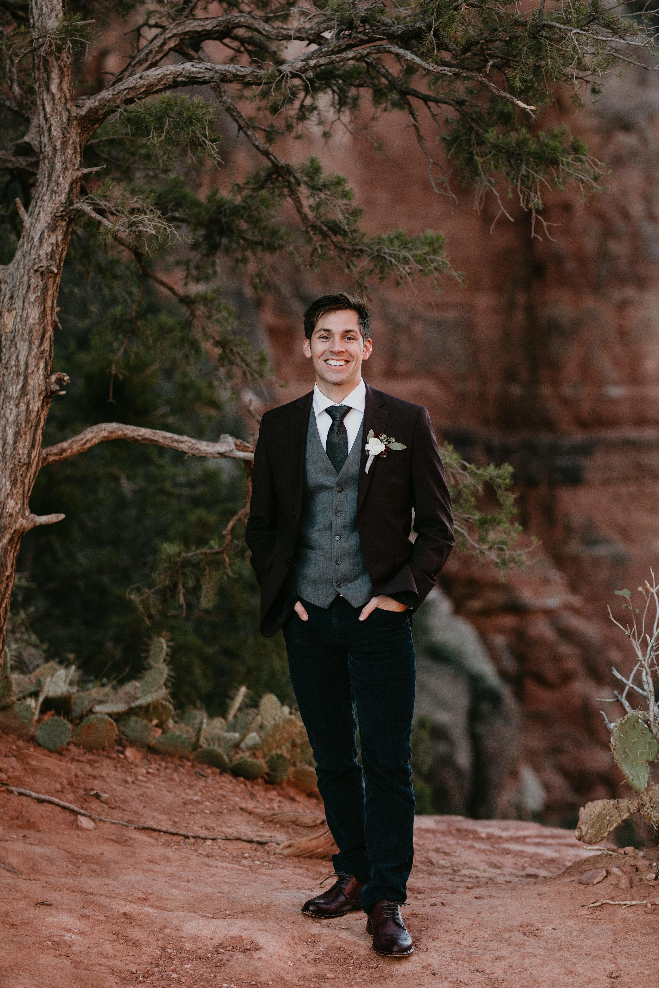 nicole-daacke-photography-sedona-arizona-destination-elopement-wedding-photographer-catherdral-rock-hiking-elopement-sedona-river-elopement-photos-desert-rock-wedding-photographer-laid-back-spontaneous-elopement-61.jpg