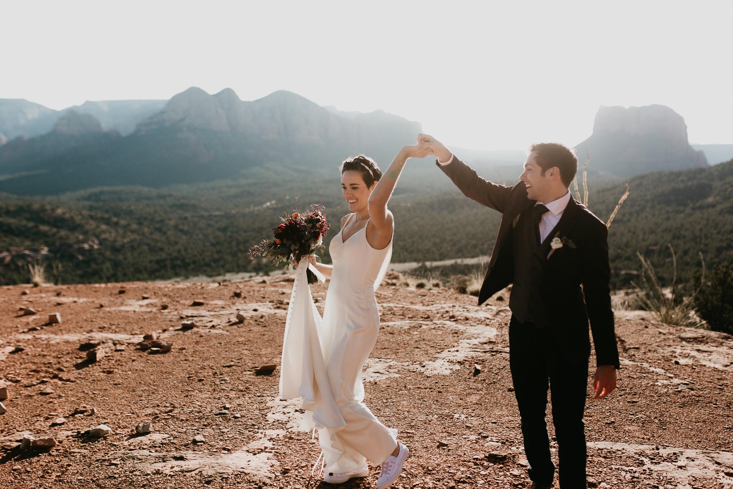 nicole-daacke-photography-sedona-arizona-destination-elopement-wedding-photographer-catherdral-rock-hiking-elopement-sedona-river-elopement-photos-desert-rock-wedding-photographer-laid-back-spontaneous-elopement-67.jpg