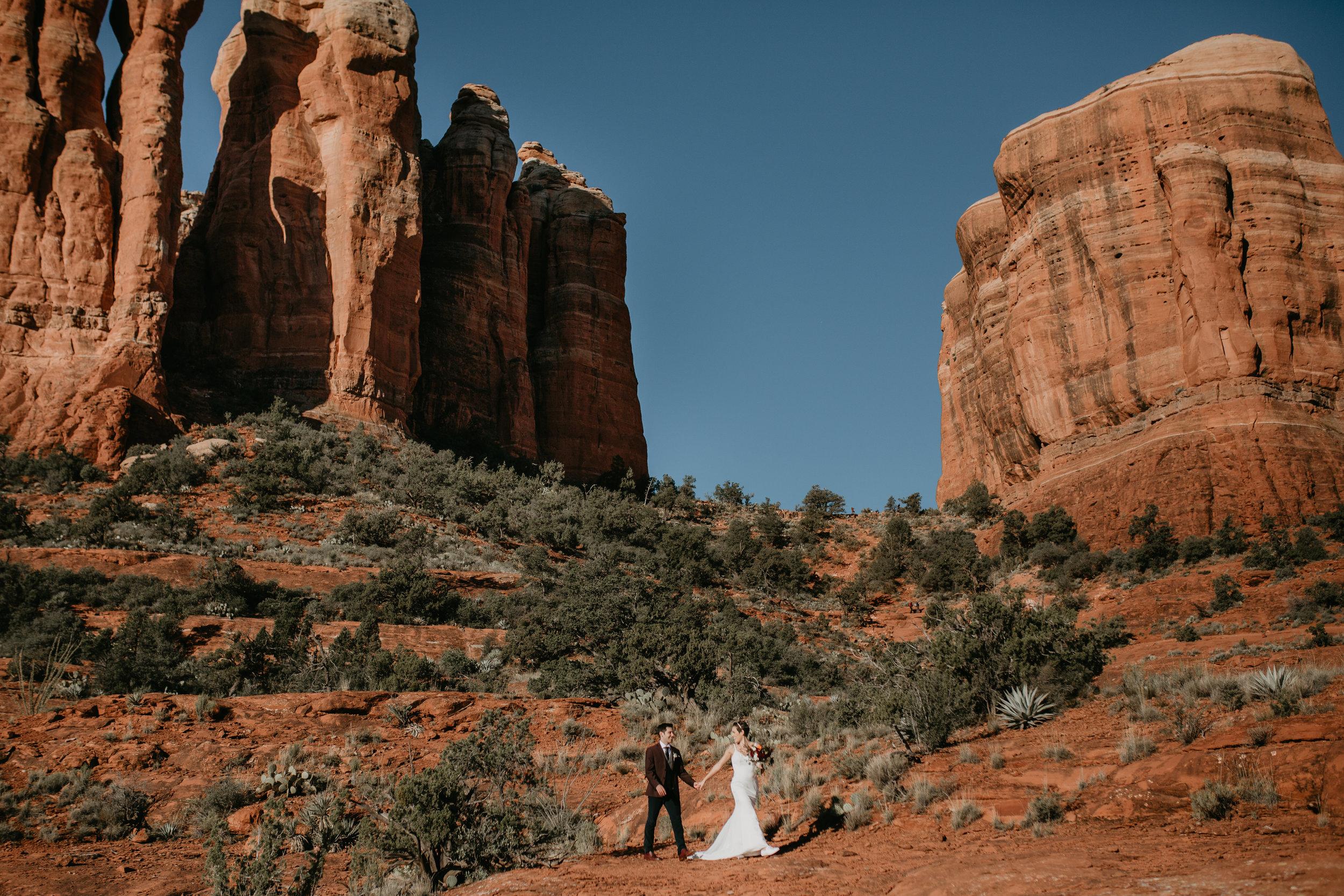 nicole-daacke-photography-sedona-arizona-destination-elopement-wedding-photographer-catherdral-rock-hiking-elopement-sedona-river-elopement-photos-desert-rock-wedding-photographer-laid-back-spontaneous-elopement-72.jpg