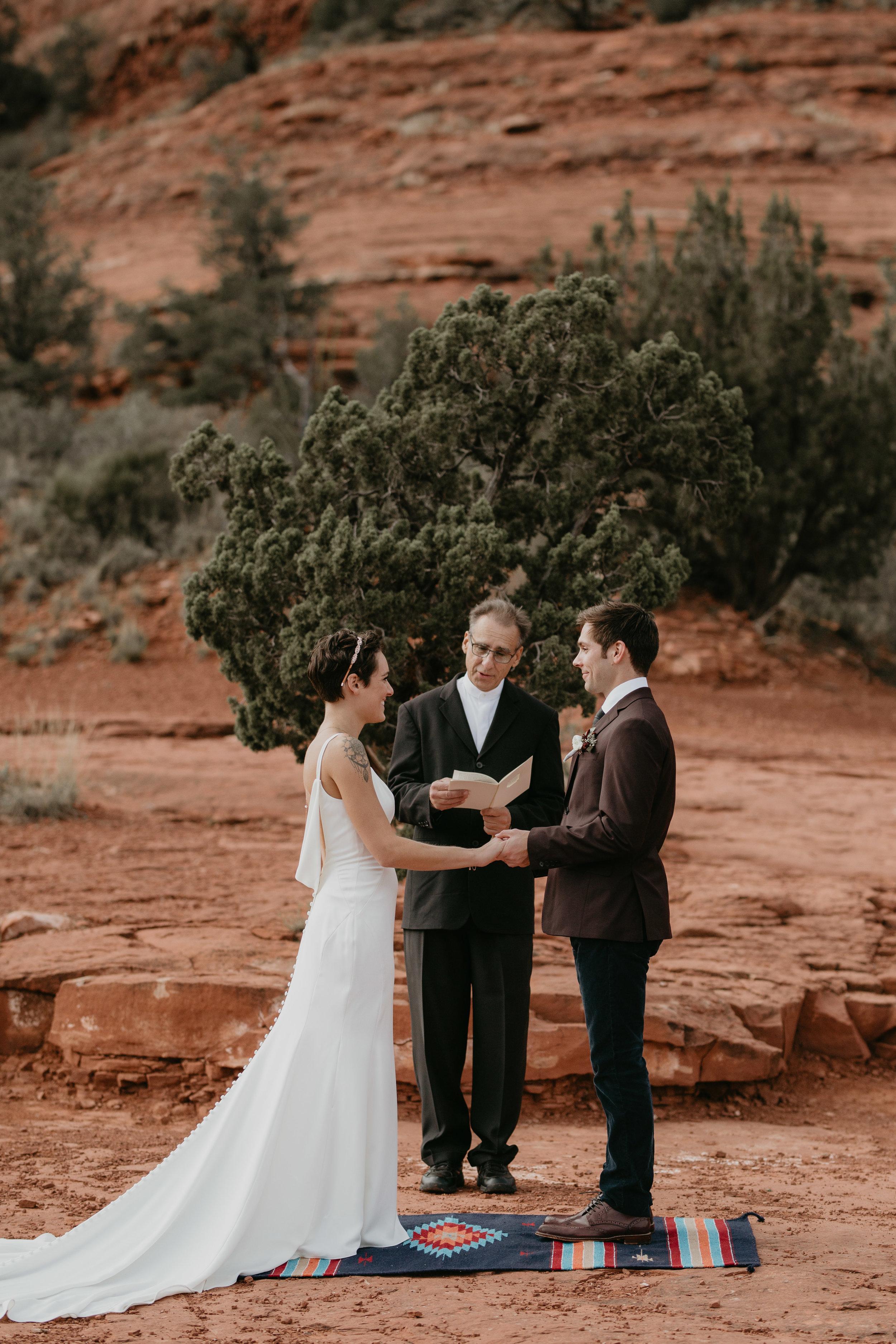 nicole-daacke-photography-sedona-arizona-destination-elopement-wedding-photographer-catherdral-rock-hiking-elopement-sedona-river-elopement-photos-desert-rock-wedding-photographer-laid-back-spontaneous-elopement-77.jpg