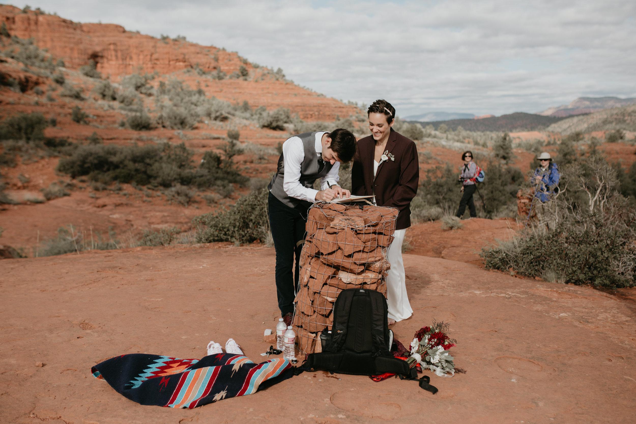 nicole-daacke-photography-sedona-arizona-destination-elopement-wedding-photographer-catherdral-rock-hiking-elopement-sedona-river-elopement-photos-desert-rock-wedding-photographer-laid-back-spontaneous-elopement-92.jpg