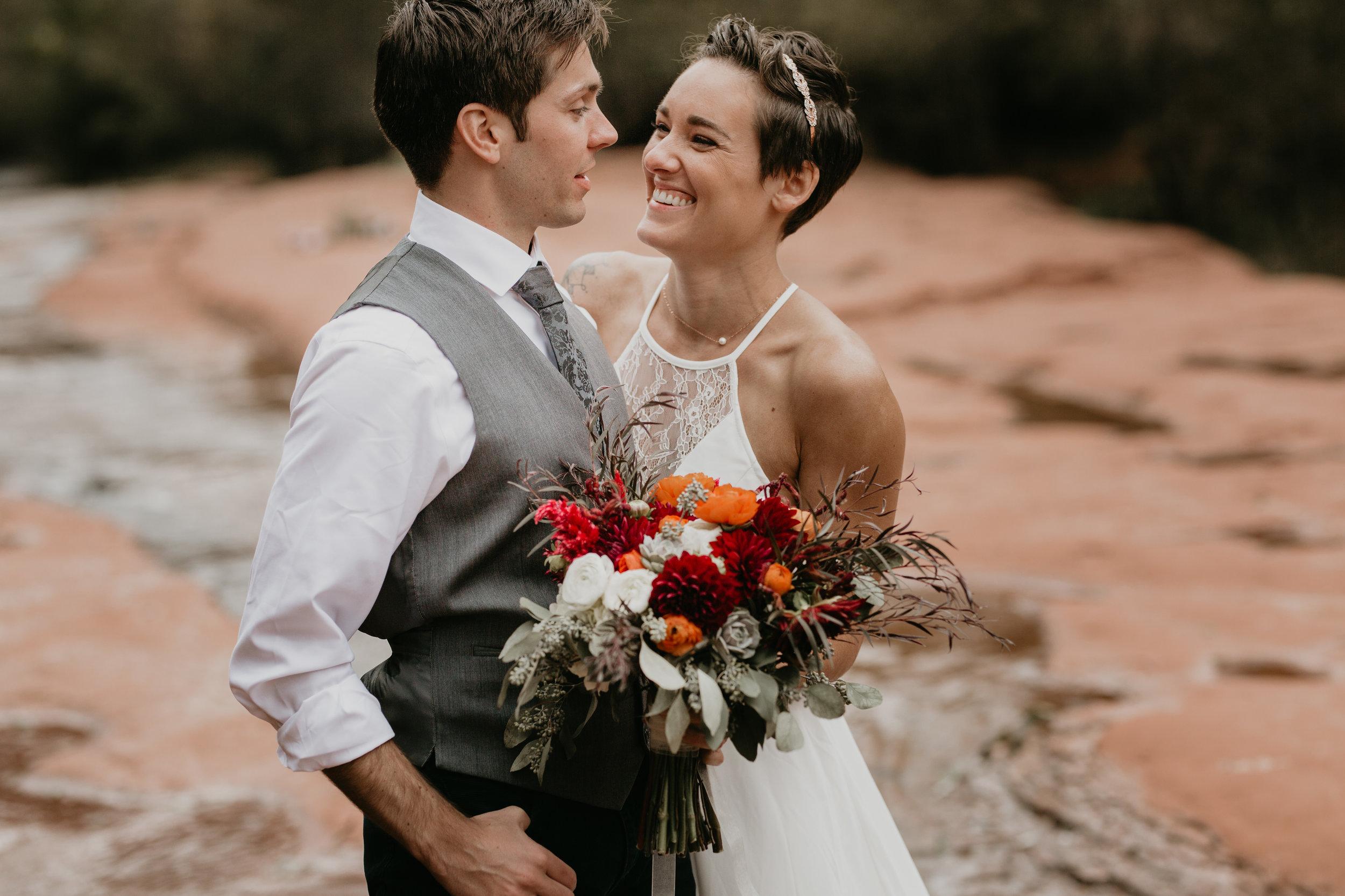 nicole-daacke-photography-sedona-arizona-destination-elopement-wedding-photographer-catherdral-rock-hiking-elopement-sedona-river-elopement-photos-desert-rock-wedding-photographer-laid-back-spontaneous-elopement-108.jpg