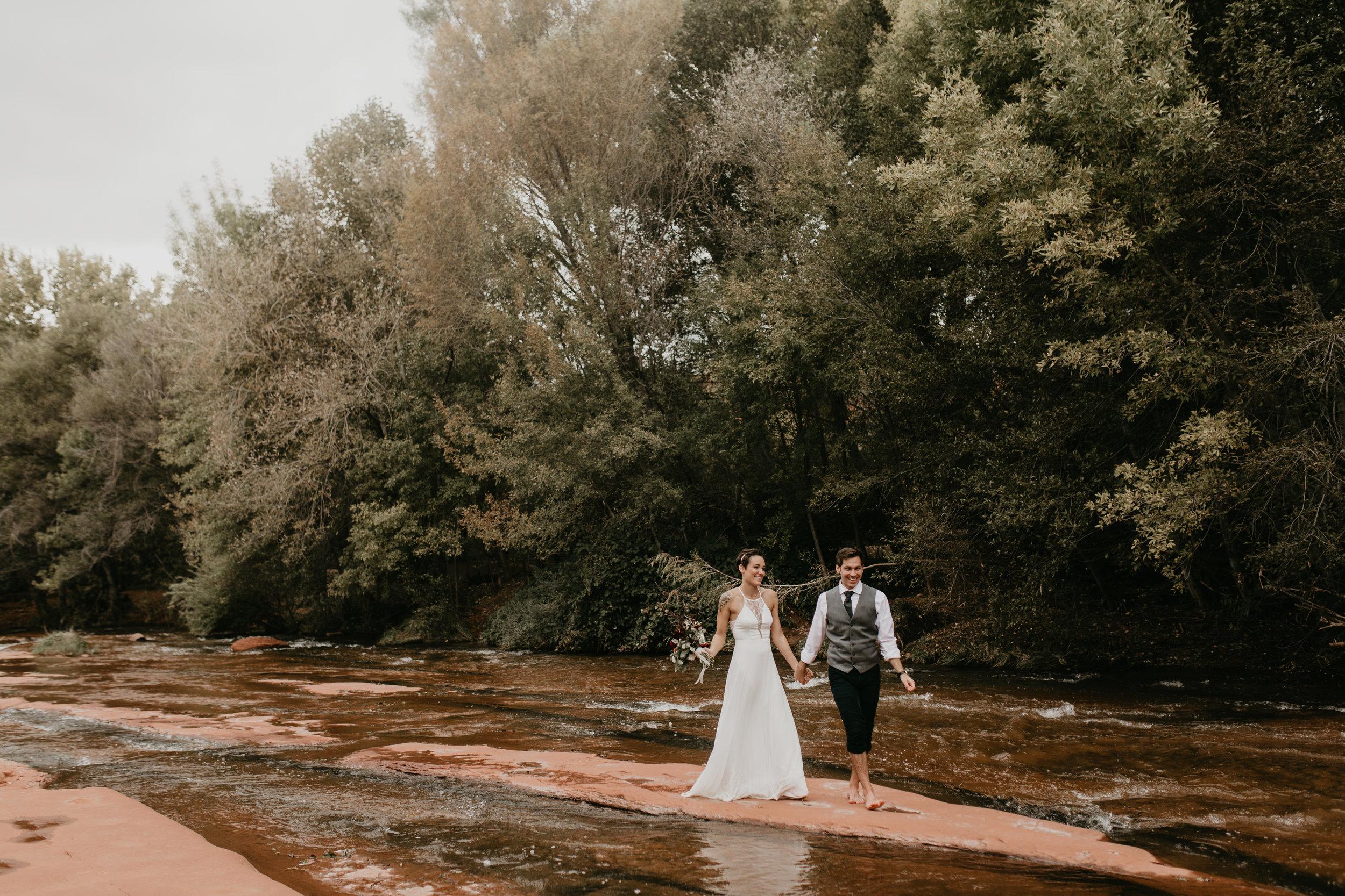 nicole-daacke-photography-sedona-arizona-destination-elopement-wedding-photographer-catherdral-rock-hiking-elopement-sedona-river-elopement-photos-desert-rock-wedding-photographer-laid-back-spontaneous-elopement-113.jpg