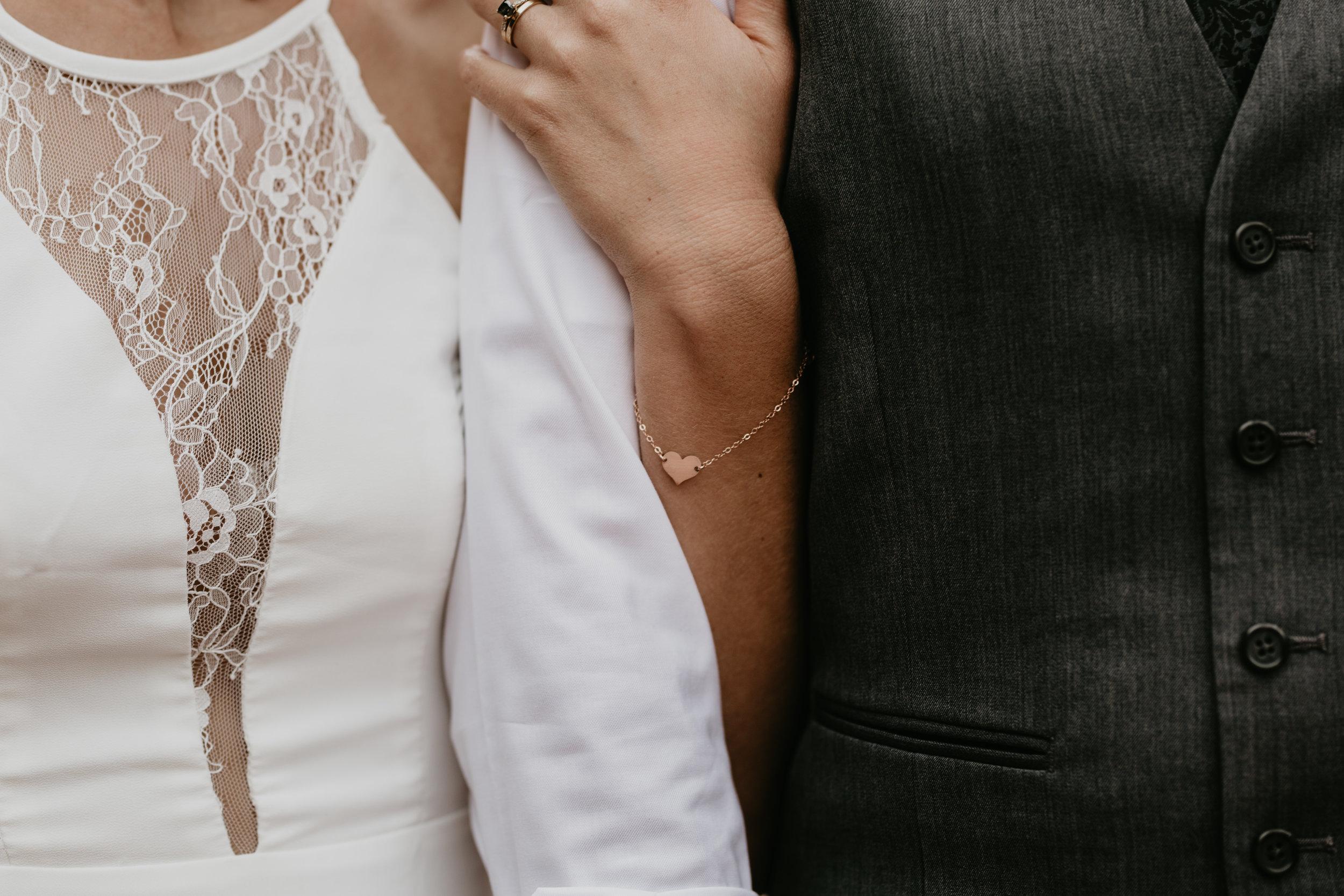 nicole-daacke-photography-sedona-arizona-destination-elopement-wedding-photographer-catherdral-rock-hiking-elopement-sedona-river-elopement-photos-desert-rock-wedding-photographer-laid-back-spontaneous-elopement-116.jpg