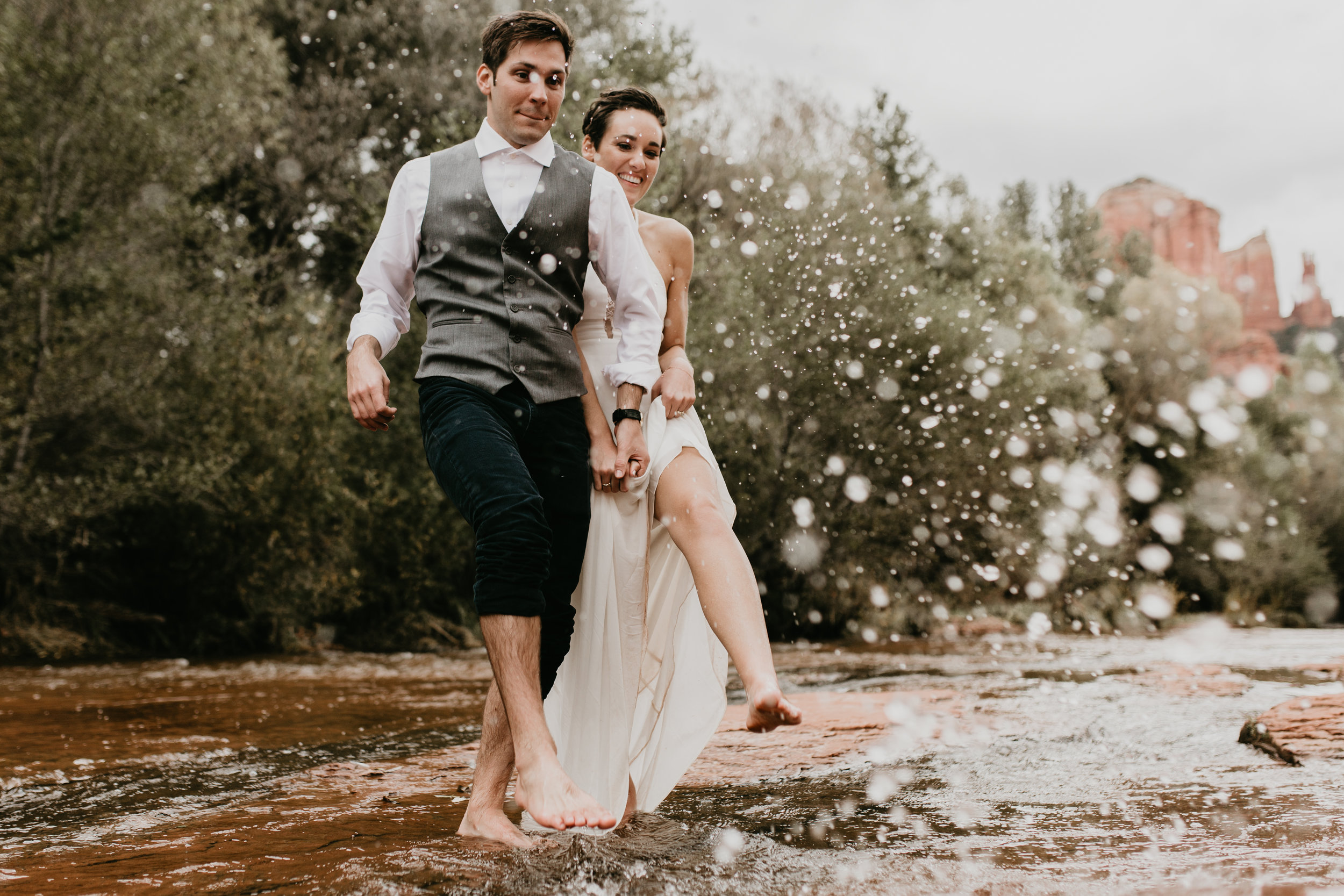 nicole-daacke-photography-sedona-arizona-destination-elopement-wedding-photographer-catherdral-rock-hiking-elopement-sedona-river-elopement-photos-desert-rock-wedding-photographer-laid-back-spontaneous-elopement-118.jpg