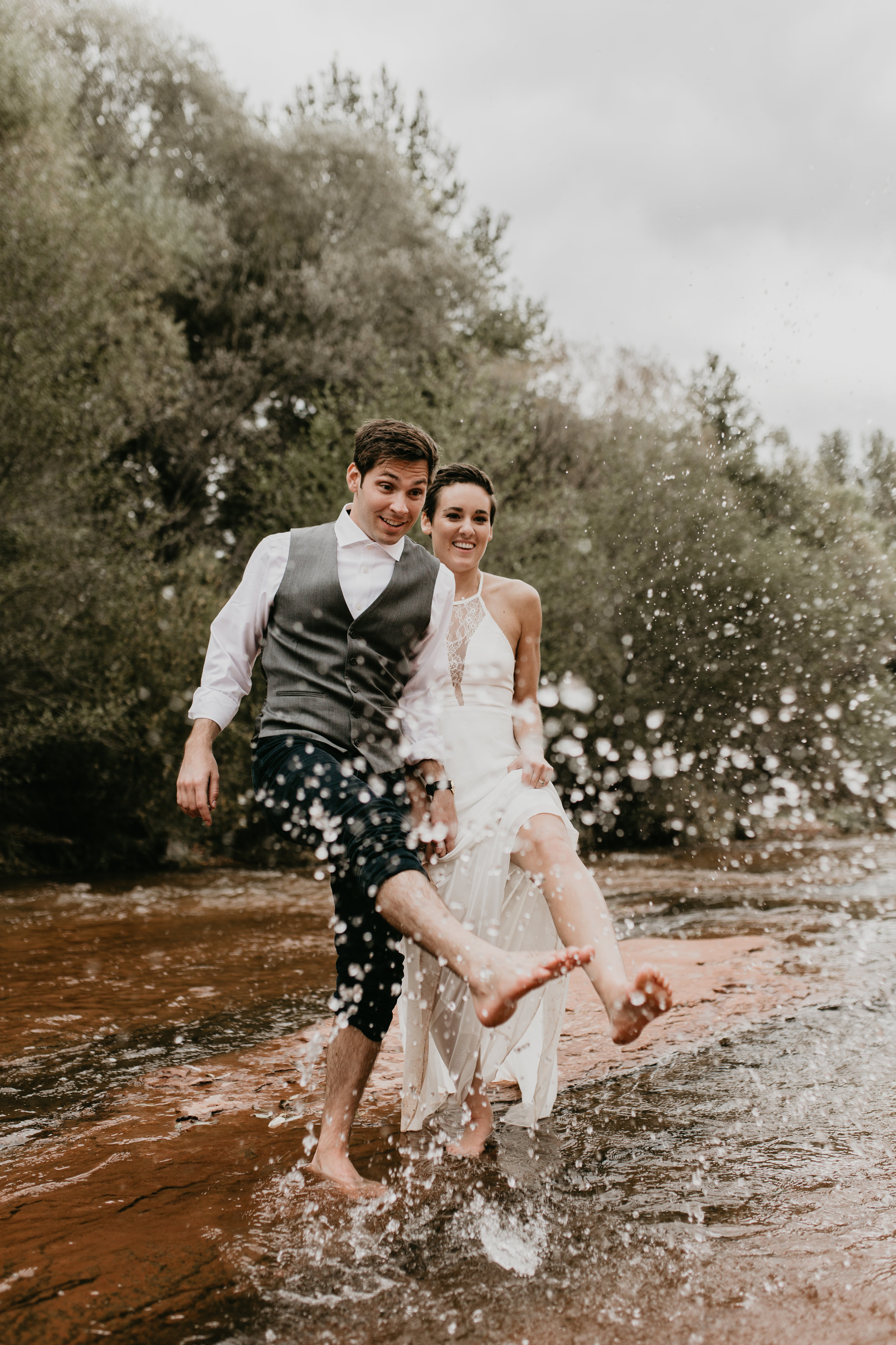 nicole-daacke-photography-sedona-arizona-destination-elopement-wedding-photographer-catherdral-rock-hiking-elopement-sedona-river-elopement-photos-desert-rock-wedding-photographer-laid-back-spontaneous-elopement-117.jpg
