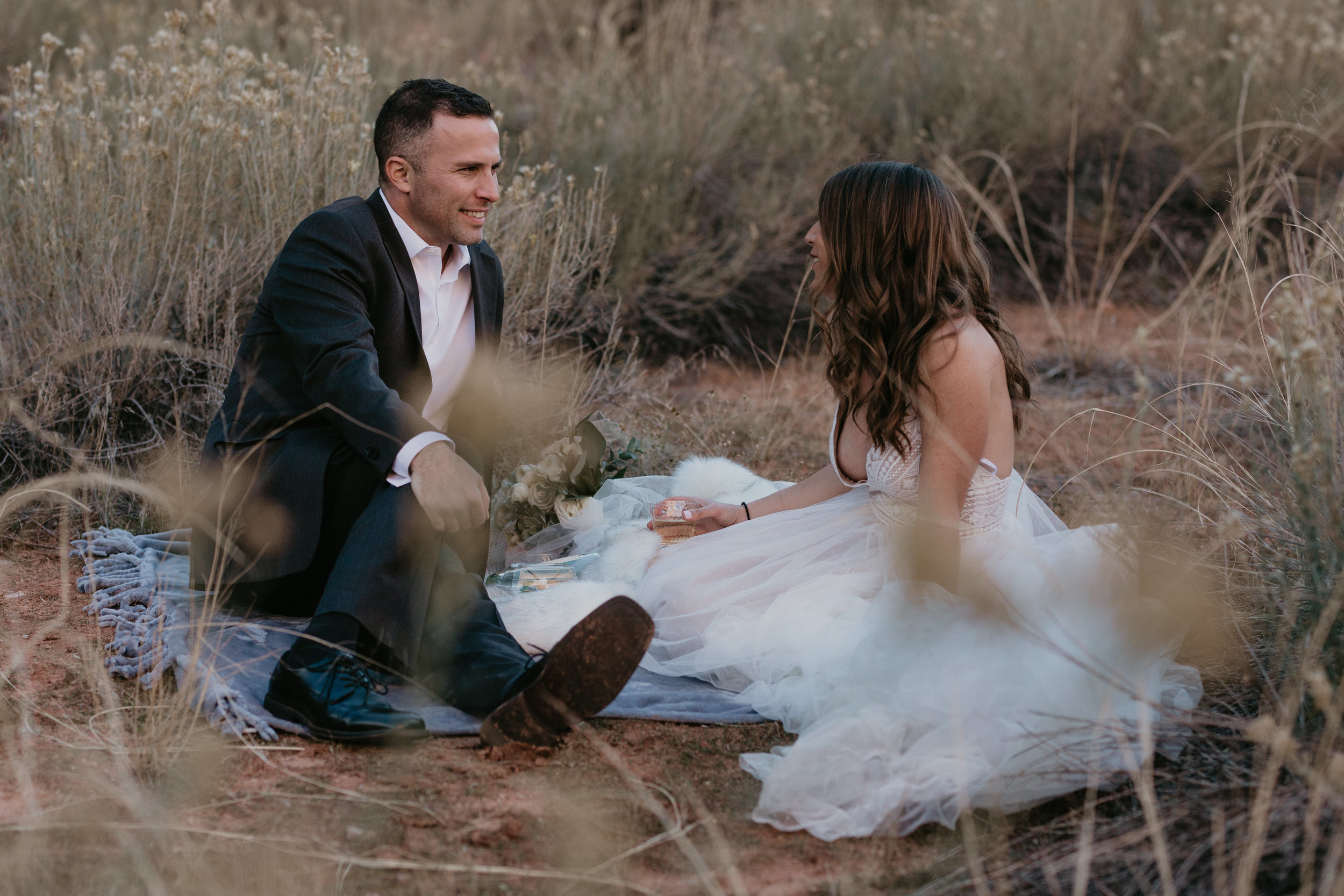 nicole-daacke-photography-zion-national-park-elopement-photographer-canyon-overlook-trail-elope-hiking-adventure-wedding-photos-fall-utah-red-rock-canyon-stgeorge-eloping-photographer-2.jpg