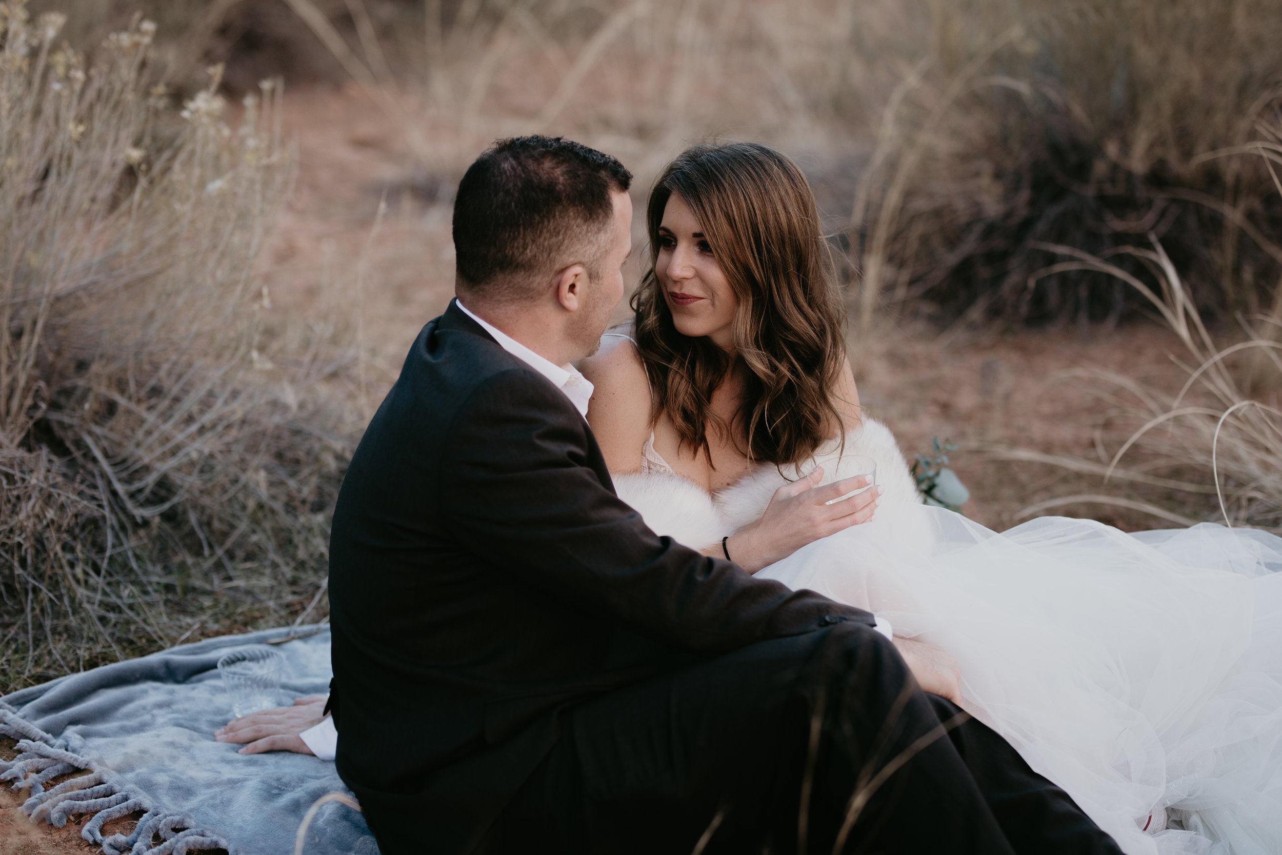 nicole-daacke-photography-zion-national-park-elopement-photographer-canyon-overlook-trail-elope-hiking-adventure-wedding-photos-fall-utah-red-rock-canyon-stgeorge-eloping-photographer-8.jpg