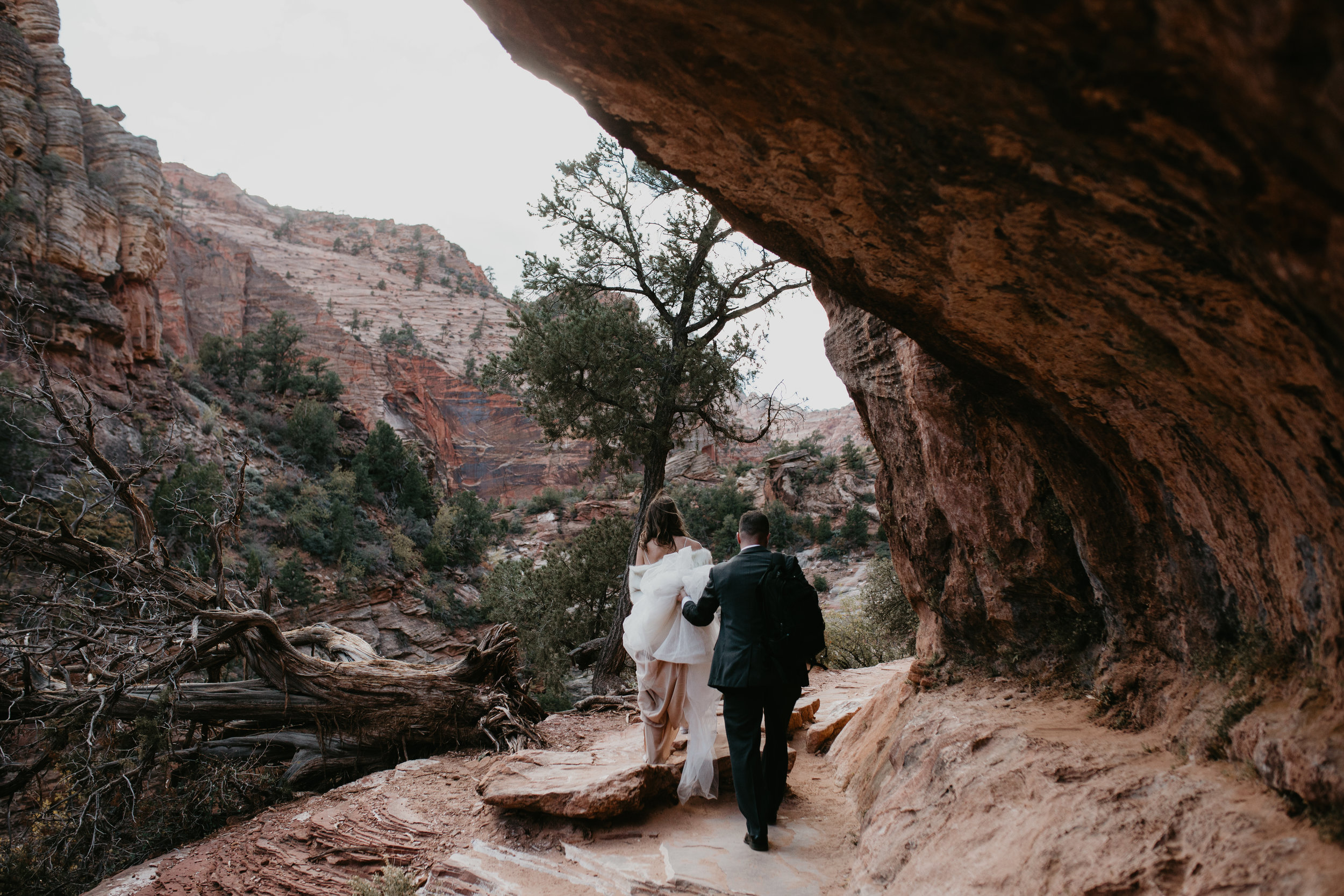 nicole-daacke-photography-zion-national-park-elopement-photographer-canyon-overlook-trail-elope-hiking-adventure-wedding-photos-fall-utah-red-rock-canyon-stgeorge-eloping-photographer-27.jpg