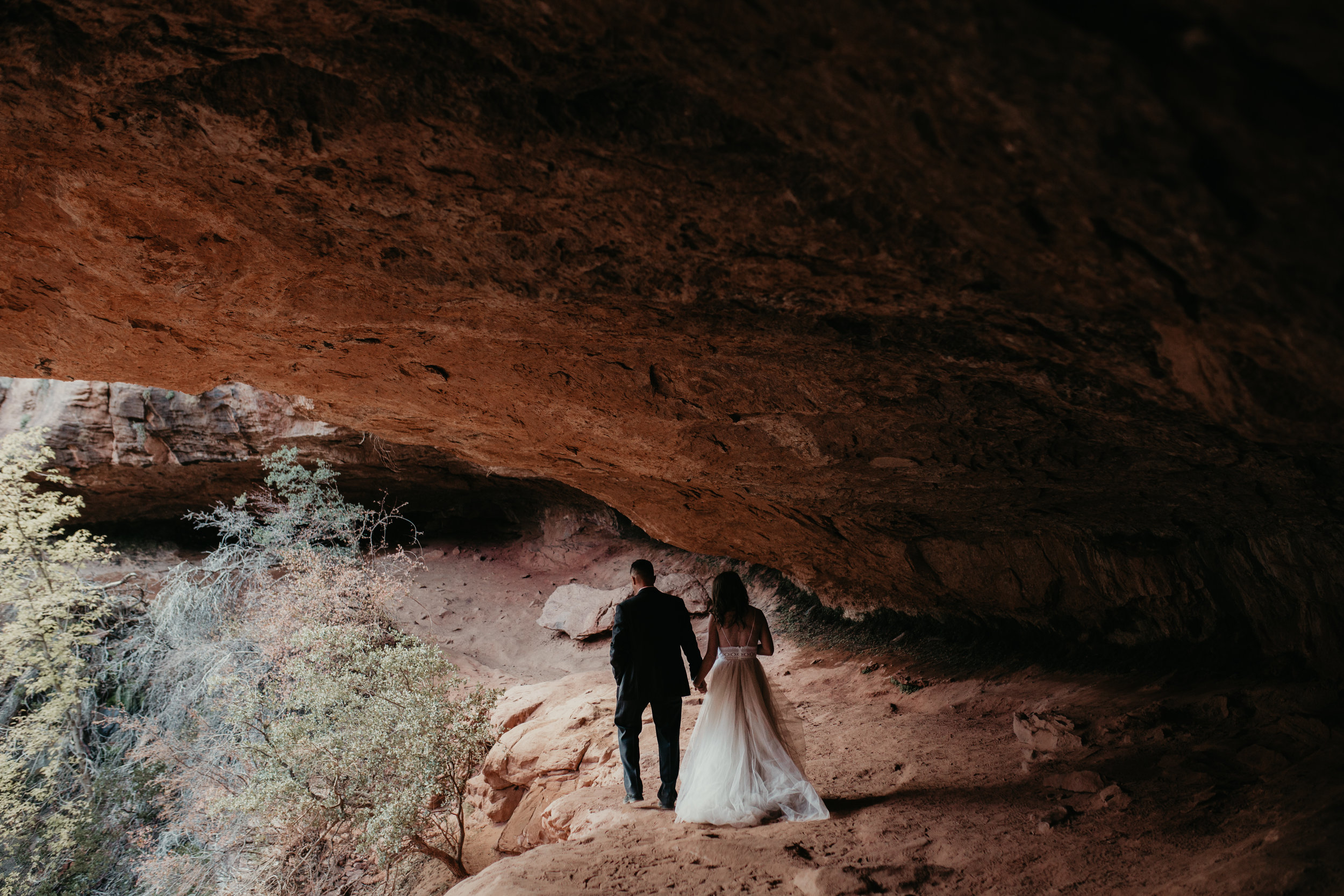 nicole-daacke-photography-zion-national-park-elopement-photographer-canyon-overlook-trail-elope-hiking-adventure-wedding-photos-fall-utah-red-rock-canyon-stgeorge-eloping-photographer-34.jpg