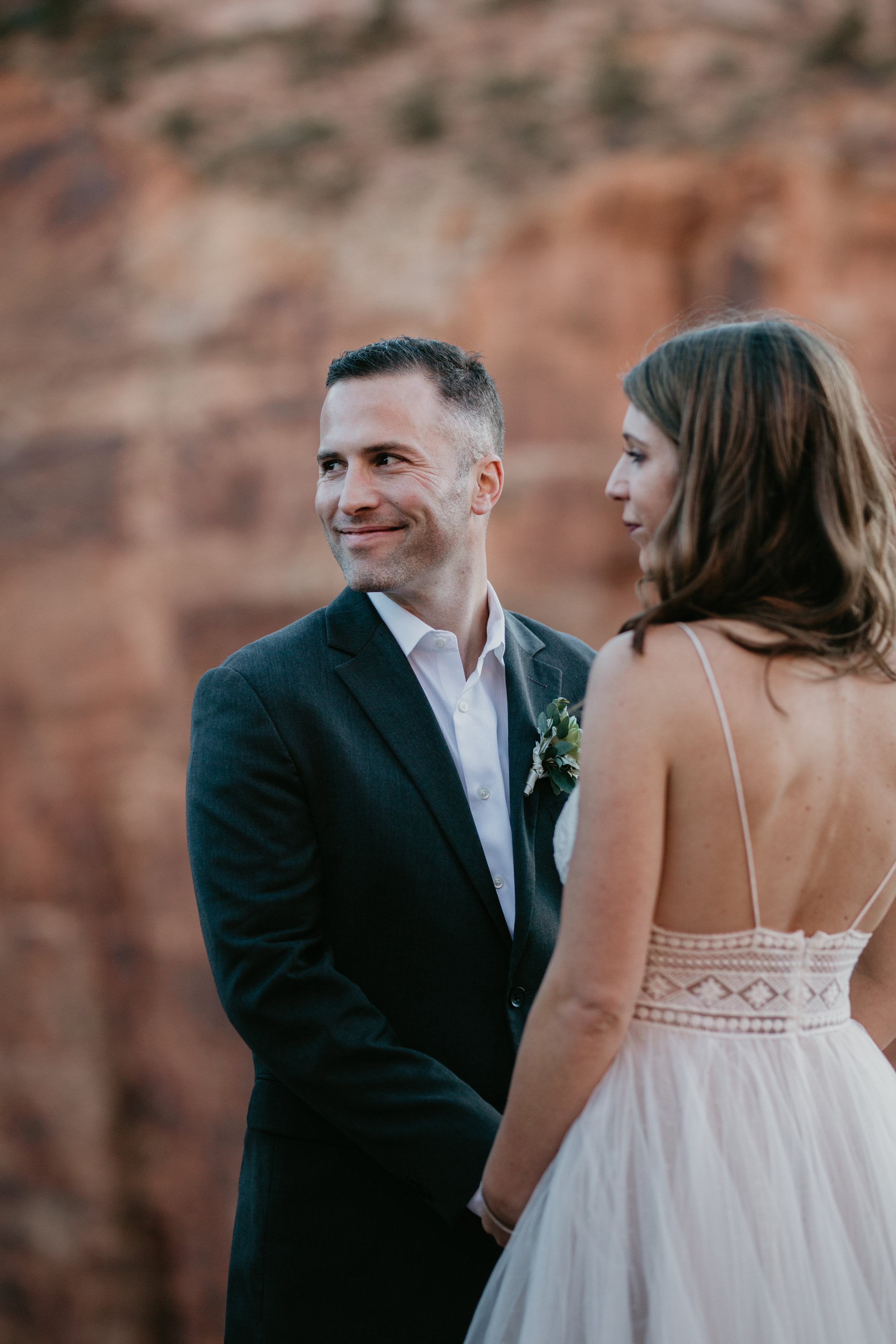 nicole-daacke-photography-zion-national-park-elopement-photographer-canyon-overlook-trail-elope-hiking-adventure-wedding-photos-fall-utah-red-rock-canyon-stgeorge-eloping-photographer-49.jpg