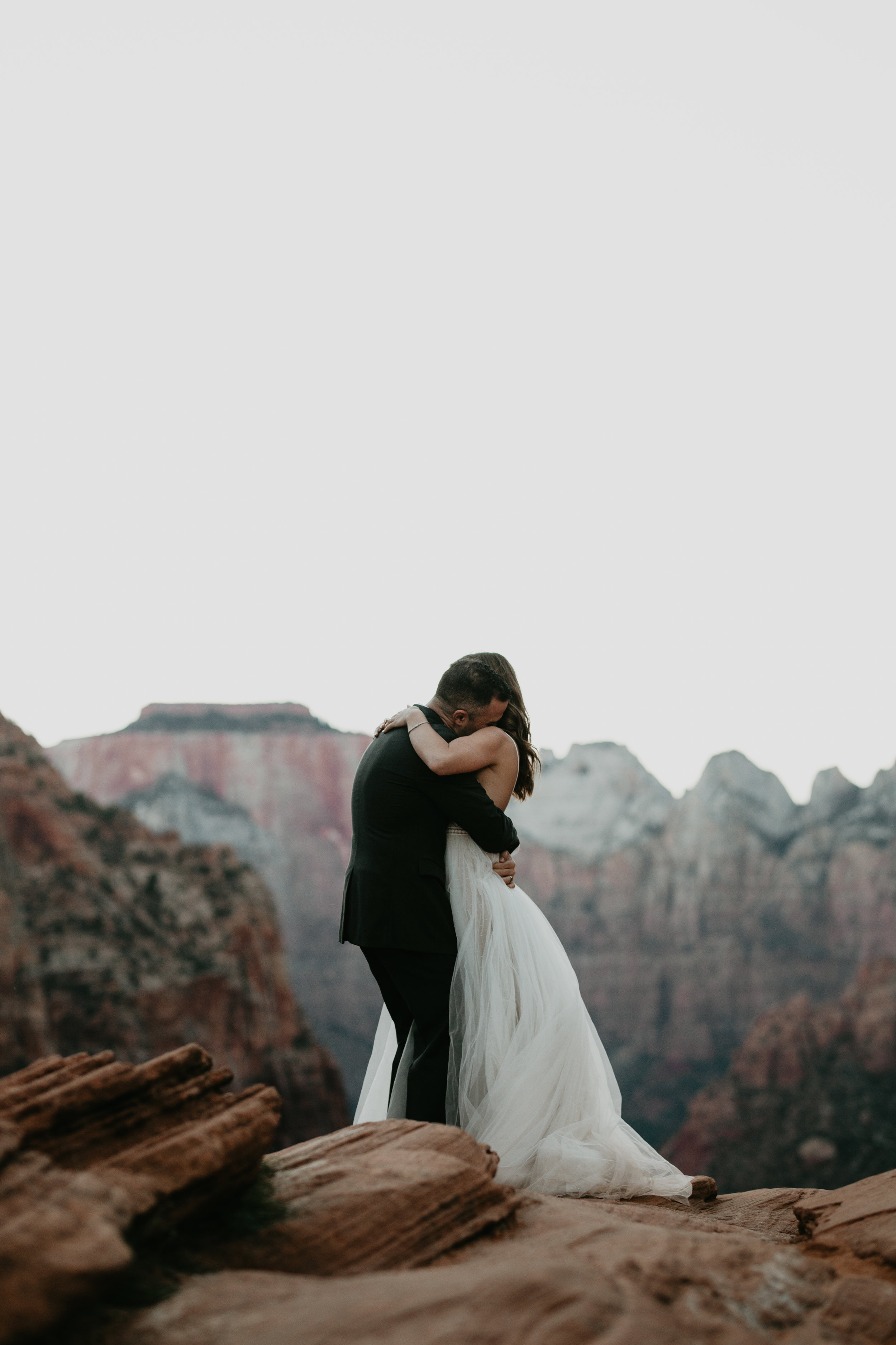 nicole-daacke-photography-zion-national-park-elopement-photographer-canyon-overlook-trail-elope-hiking-adventure-wedding-photos-fall-utah-red-rock-canyon-stgeorge-eloping-photographer-80.jpg