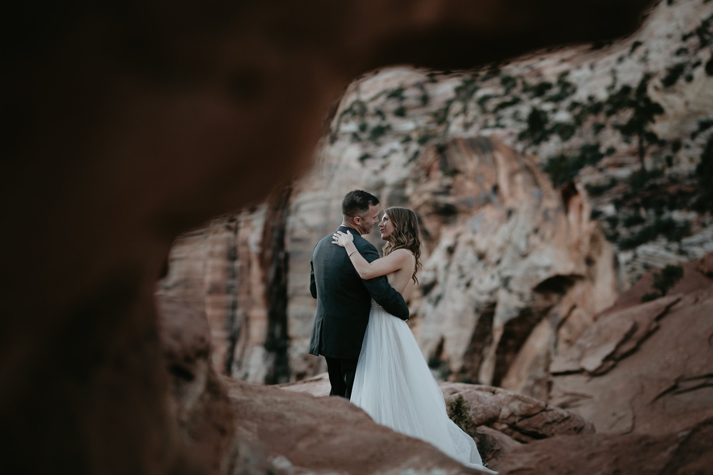 nicole-daacke-photography-zion-national-park-elopement-photographer-canyon-overlook-trail-elope-hiking-adventure-wedding-photos-fall-utah-red-rock-canyon-stgeorge-eloping-photographer-85.jpg
