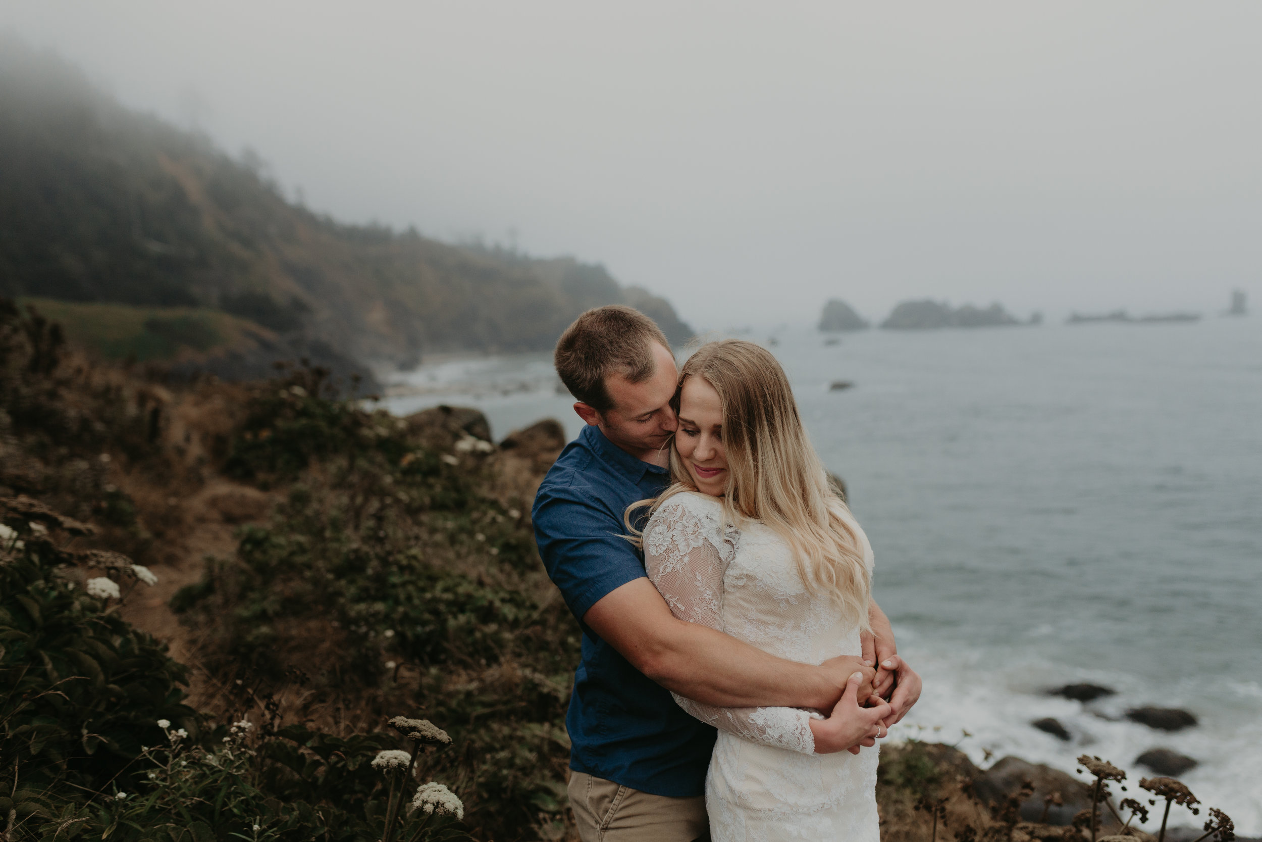 nicole-daacke-photography-oregon-coast-cannon-beach-indian-beach-ecola-state-park-adventurous-bridal-session-elopement-wedding-intimate-session-foggy-wedding-photographer-10.jpg