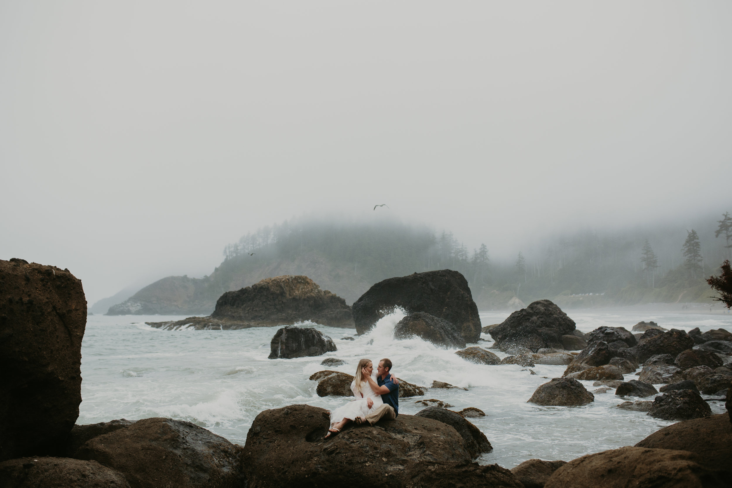 nicole-daacke-photography-oregon-coast-cannon-beach-indian-beach-ecola-state-park-adventurous-bridal-session-elopement-wedding-intimate-session-foggy-wedding-photographer-11.jpg