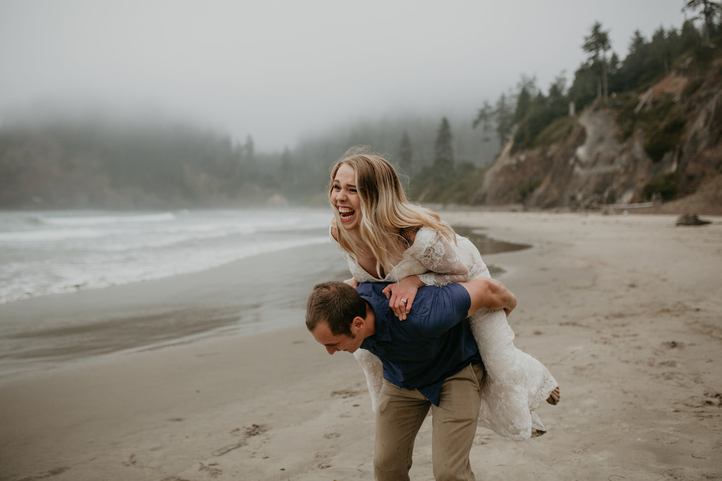 nicole-daacke-photography-oregon-coast-cannon-beach-indian-beach-ecola-state-park-adventurous-bridal-session-elopement-wedding-intimate-session-foggy-wedding-photographer-16.jpg