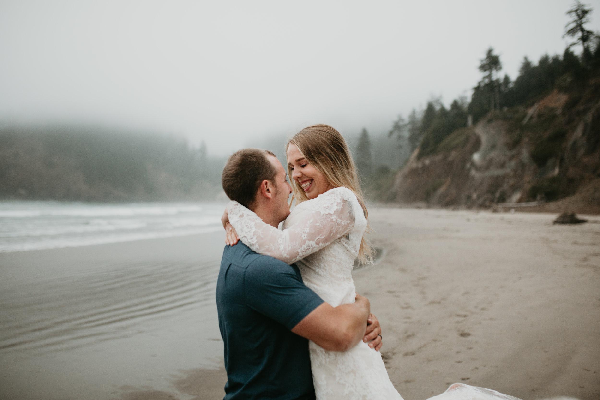 nicole-daacke-photography-ecola-state-park-oregon-elopement-bridal-photos-photographer-for-cannon-beach-elopement-oregon-coast-elopement-photographer-foggy-summer-elopement-cannon-beach-best-adventure-elopement-photographer-7067.jpg