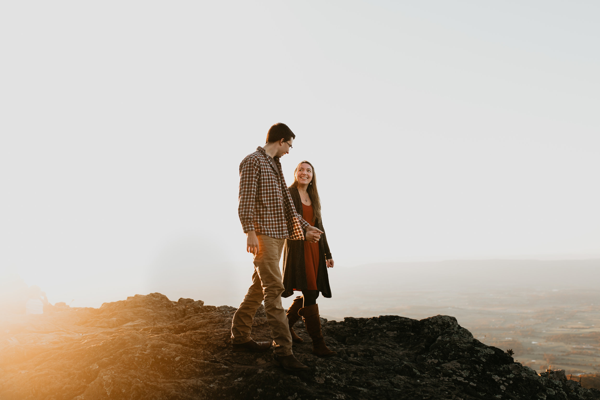 nicole-daacke-photography-shenandoah-national-park-adventure-engagement-session-with-fall-foliage-shenandoah-elopement-photographer-engagement-photos-in-virginia-charlottesville-national-park-adventure-elopement-photographer-3860.jpg
