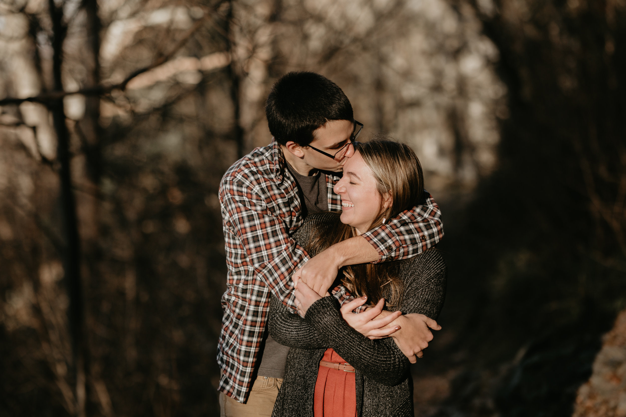 nicole-daacke-photography-shenandoah-national-park-adventure-engagement-session-with-fall-foliage-shenandoah-elopement-photographer-engagement-photos-in-virginia-charlottesville-national-park-adventure-elopement-photographer-3673.jpg