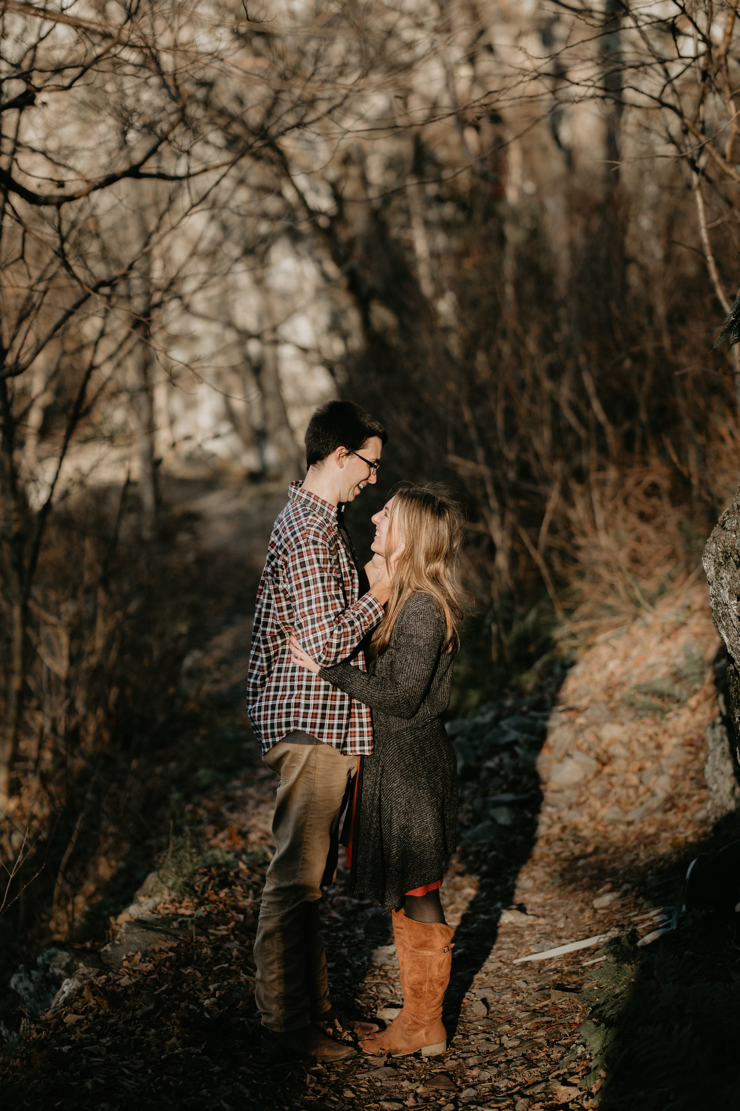 nicole-daacke-photography-shenandoah-national-park-adventure-engagement-session-with-fall-foliage-shenandoah-elopement-photographer-engagement-photos-in-virginia-charlottesville-national-park-adventure-elopement-photographer-3720.jpg