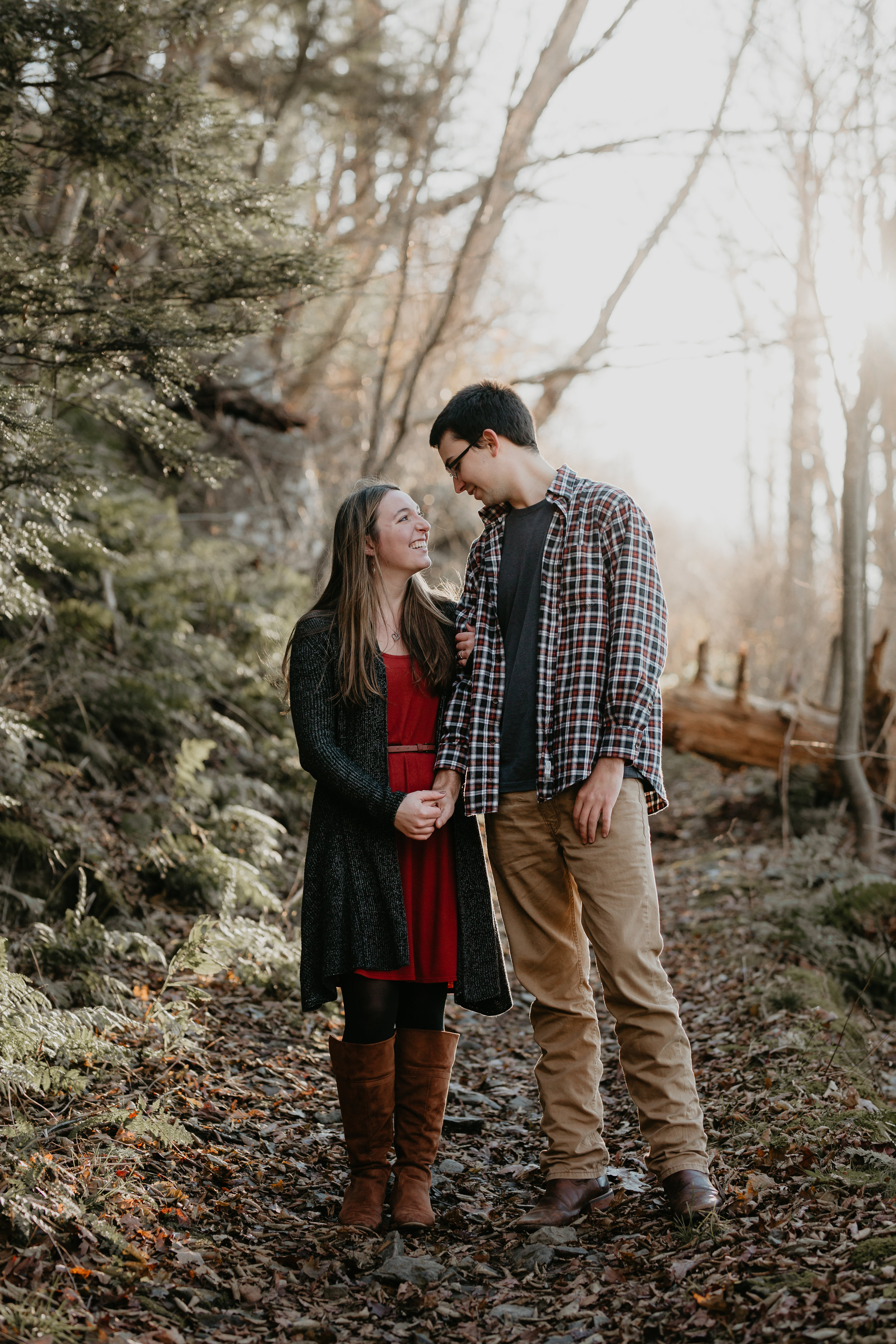 nicole-daacke-photography-shenandoah-national-park-adventure-engagement-session-with-fall-foliage-shenandoah-elopement-photographer-engagement-photos-in-virginia-charlottesville-national-park-adventure-elopement-photographer-3808.jpg