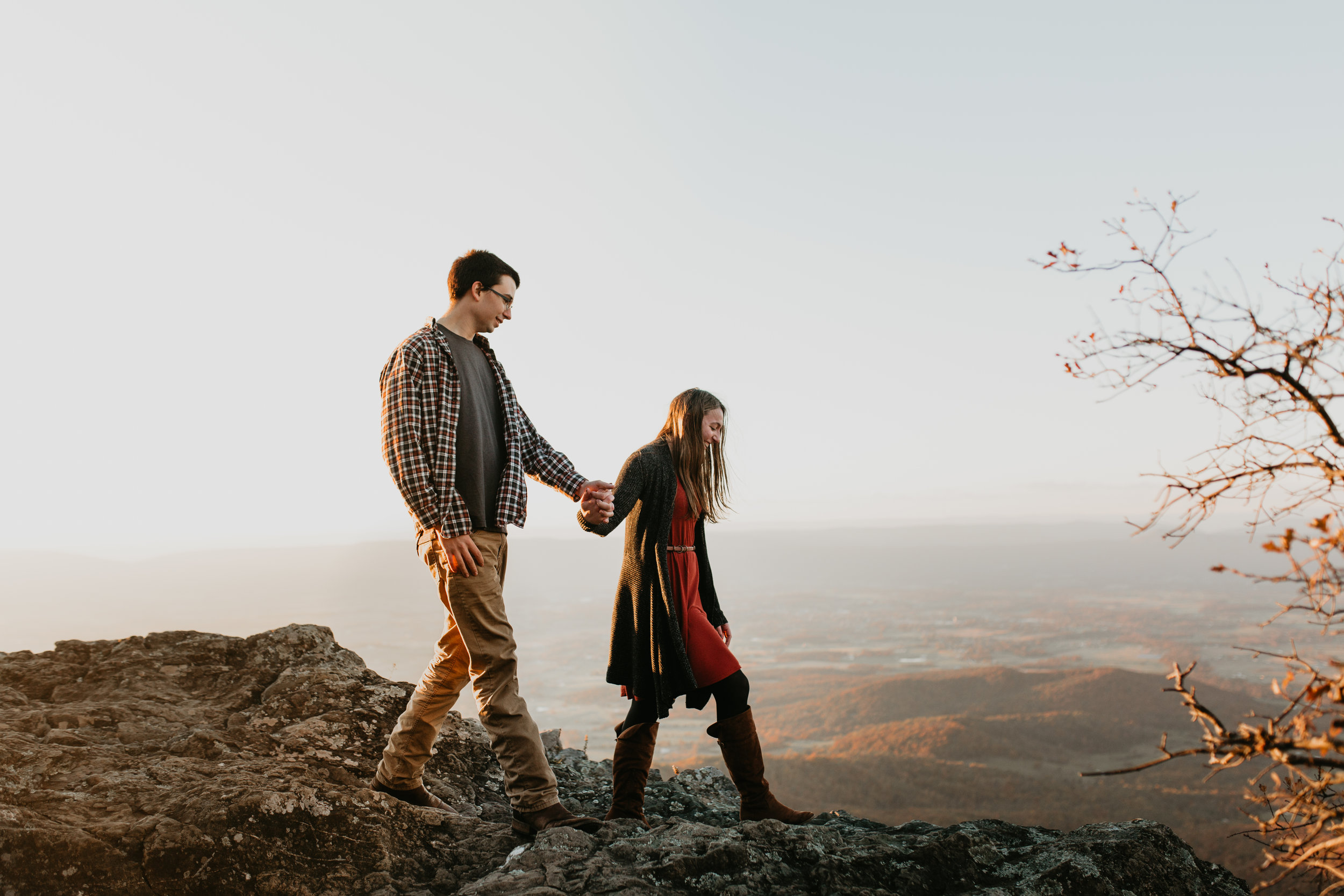 nicole-daacke-photography-shenandoah-national-park-adventure-engagement-session-with-fall-foliage-shenandoah-elopement-photographer-engagement-photos-in-virginia-charlottesville-national-park-adventure-elopement-photographer-3880.jpg