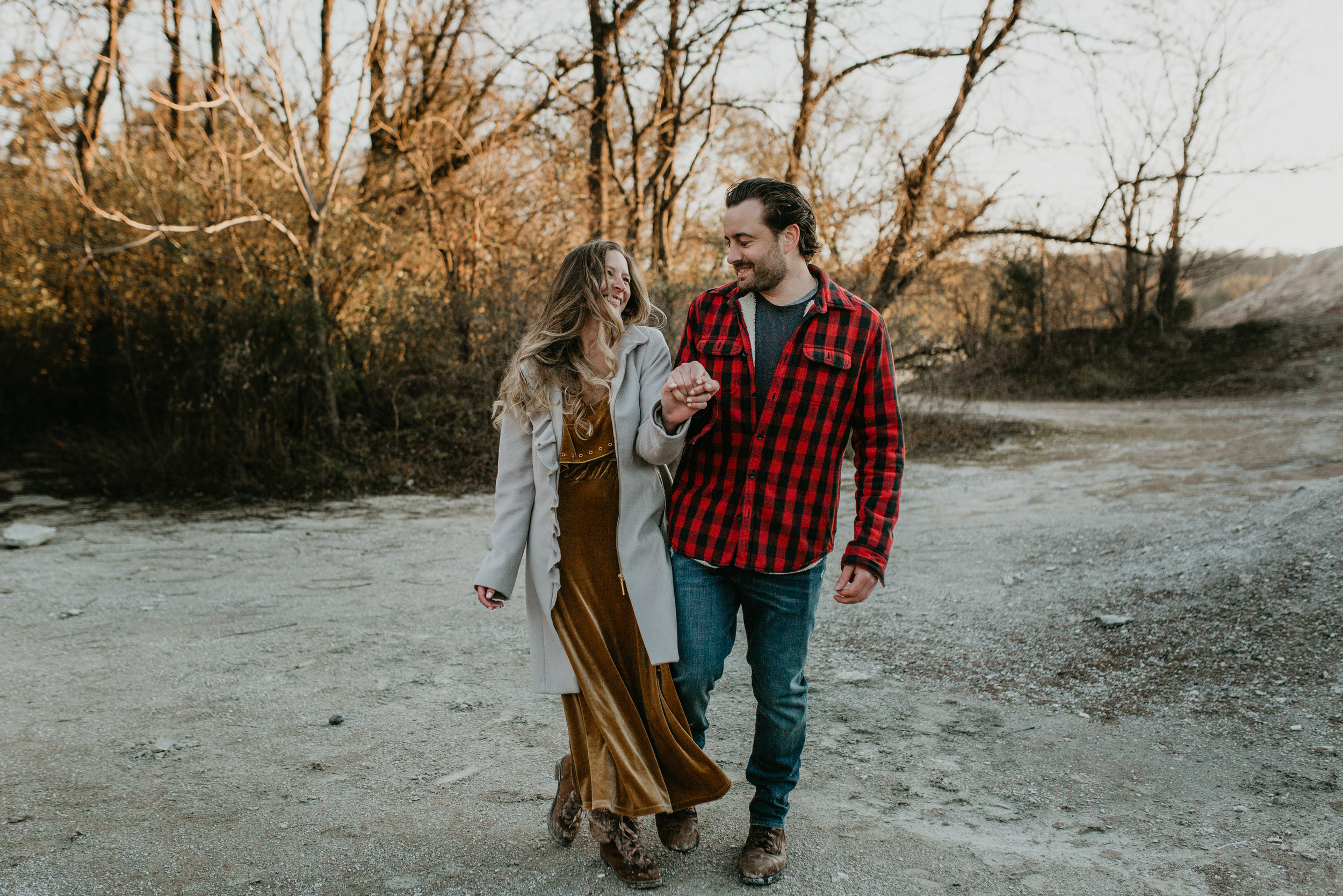 nicole-daacke-photography-white-cliffs-of-conoy-in-lancaster-pa-pennsylvania-adventure-session-adventure-elopement-photographer-engagement session-in-lancaster-pa-photographer-golden-sunset-winter-solstice-wedding-riverside-elopement-4097.jpg