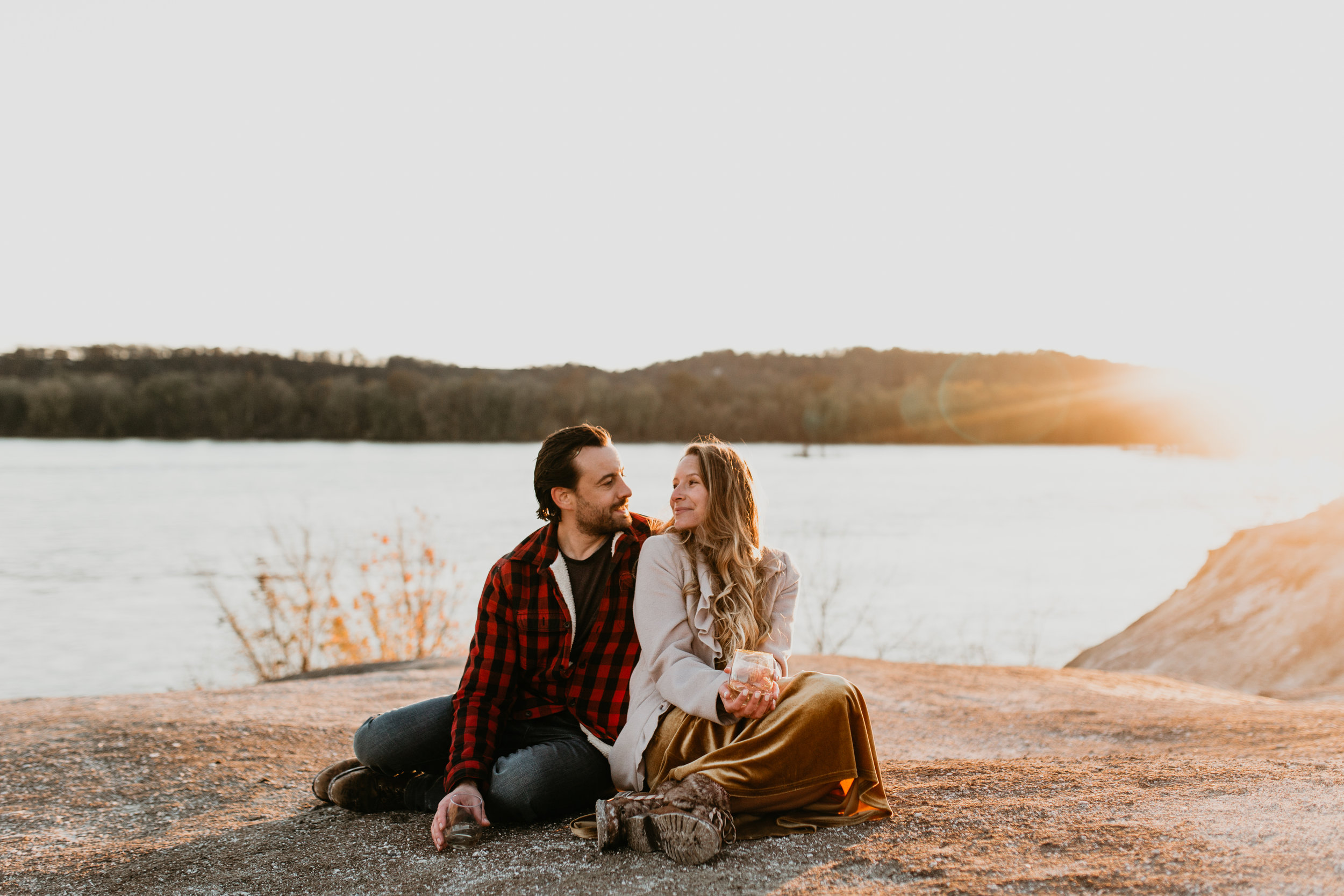 nicole-daacke-photography-white-cliffs-of-conoy-in-lancaster-pa-pennsylvania-adventure-session-adventure-elopement-photographer-engagement session-in-lancaster-pa-photographer-golden-sunset-winter-solstice-wedding-riverside-elopement-4152.jpg