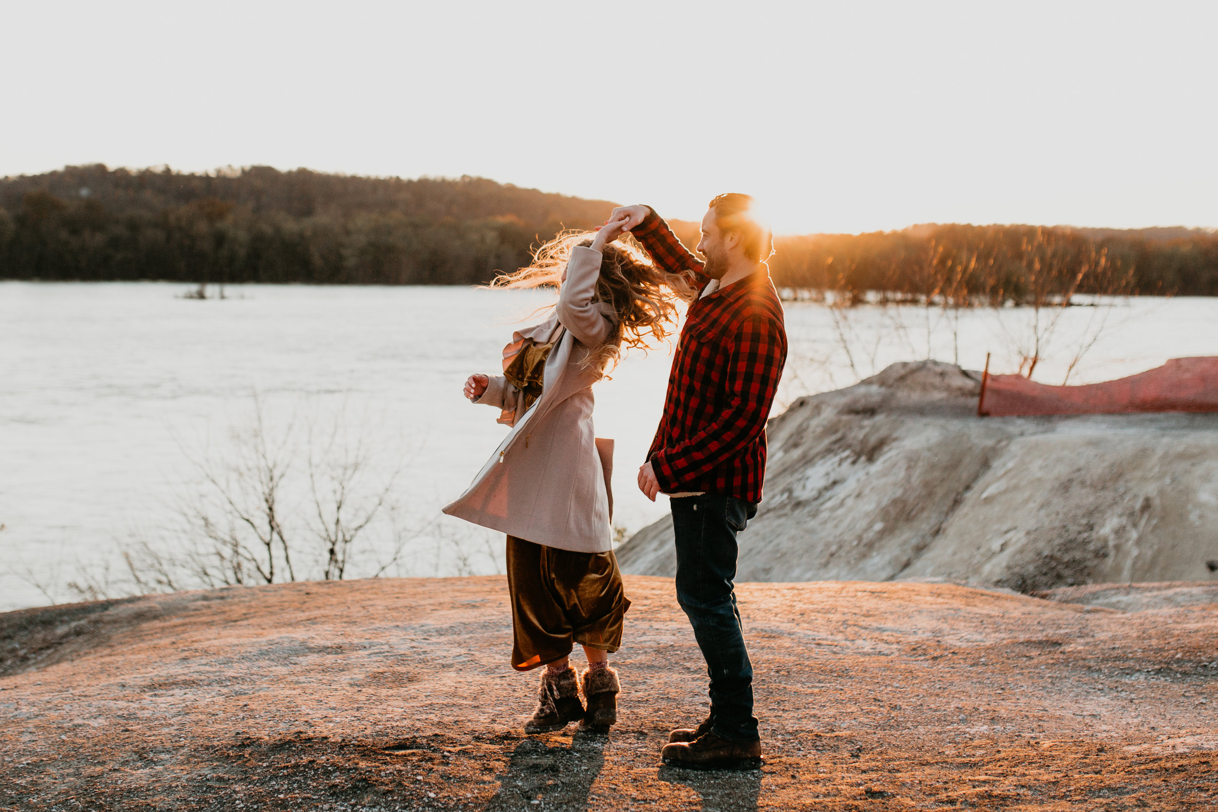 nicole-daacke-photography-white-cliffs-of-conoy-in-lancaster-pa-pennsylvania-adventure-session-adventure-elopement-photographer-engagement session-in-lancaster-pa-photographer-golden-sunset-winter-solstice-wedding-riverside-elopement-4173.jpg