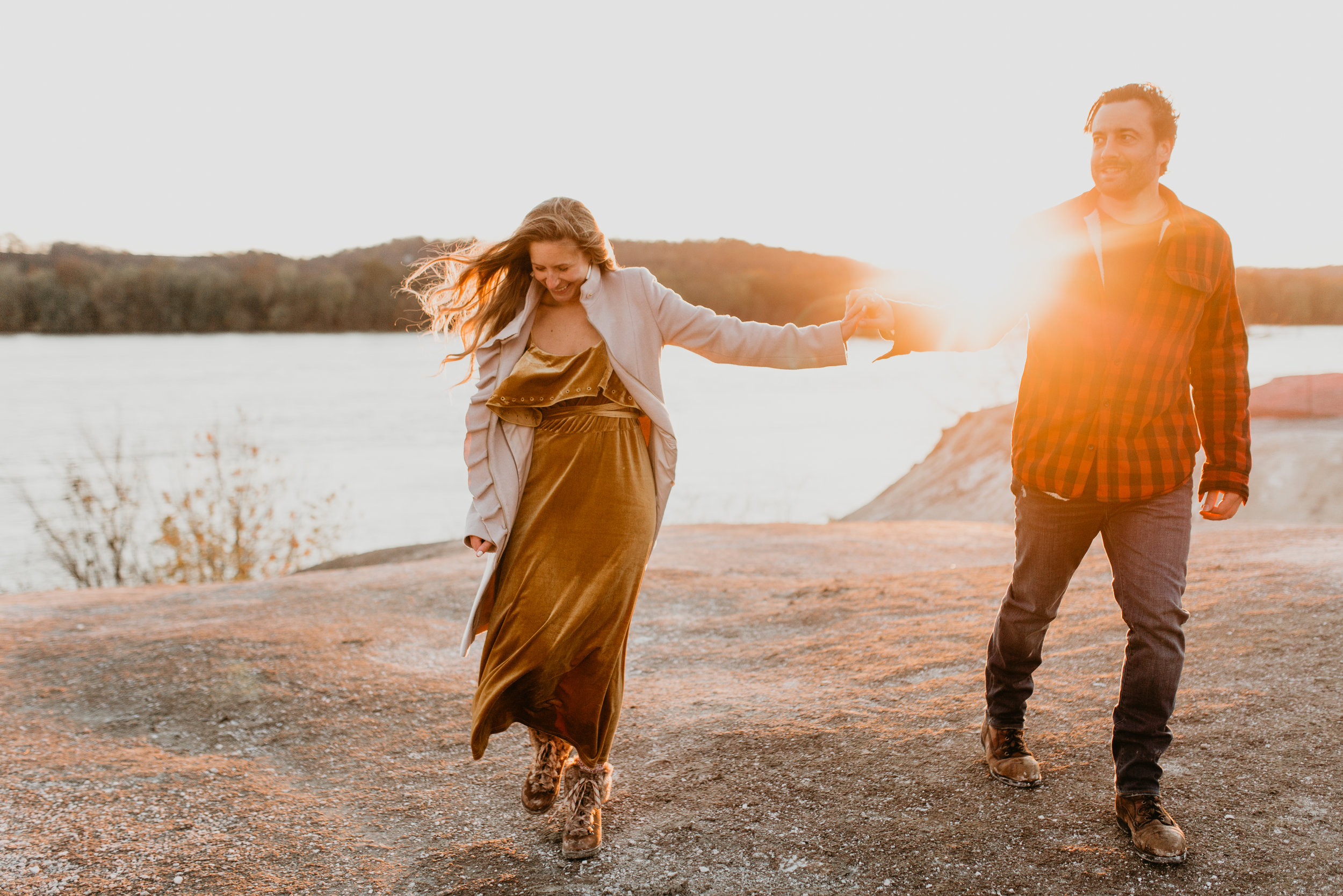 nicole-daacke-photography-white-cliffs-of-conoy-in-lancaster-pa-pennsylvania-adventure-session-adventure-elopement-photographer-engagement session-in-lancaster-pa-photographer-golden-sunset-winter-solstice-wedding-riverside-elopement-4202.jpg