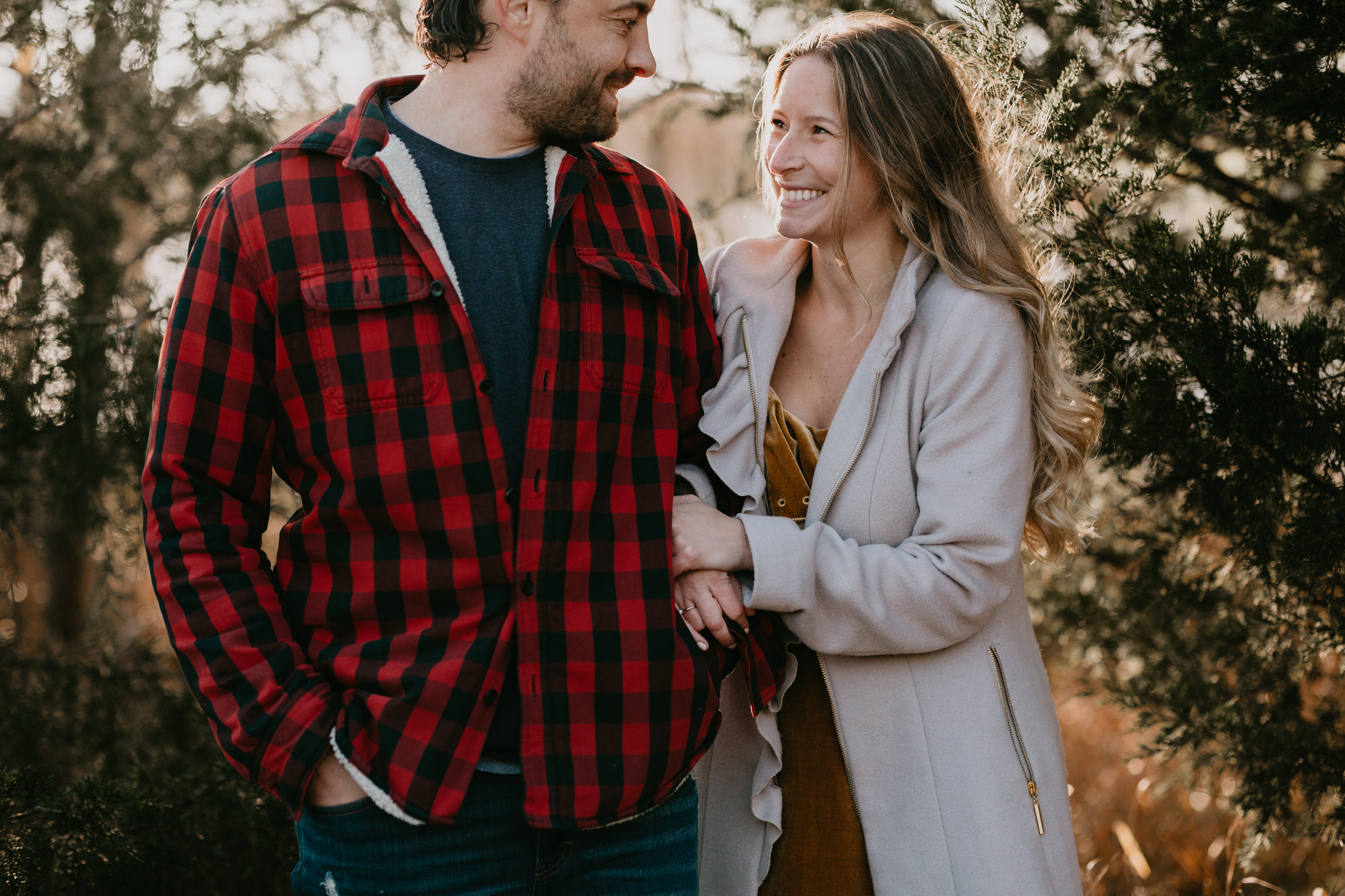 nicole-daacke-photography-white-cliffs-of-conoy-in-lancaster-pa-pennsylvania-adventure-session-adventure-elopement-photographer-engagement session-in-lancaster-pa-photographer-golden-sunset-winter-solstice-wedding-riverside-elopement-4767.jpg
