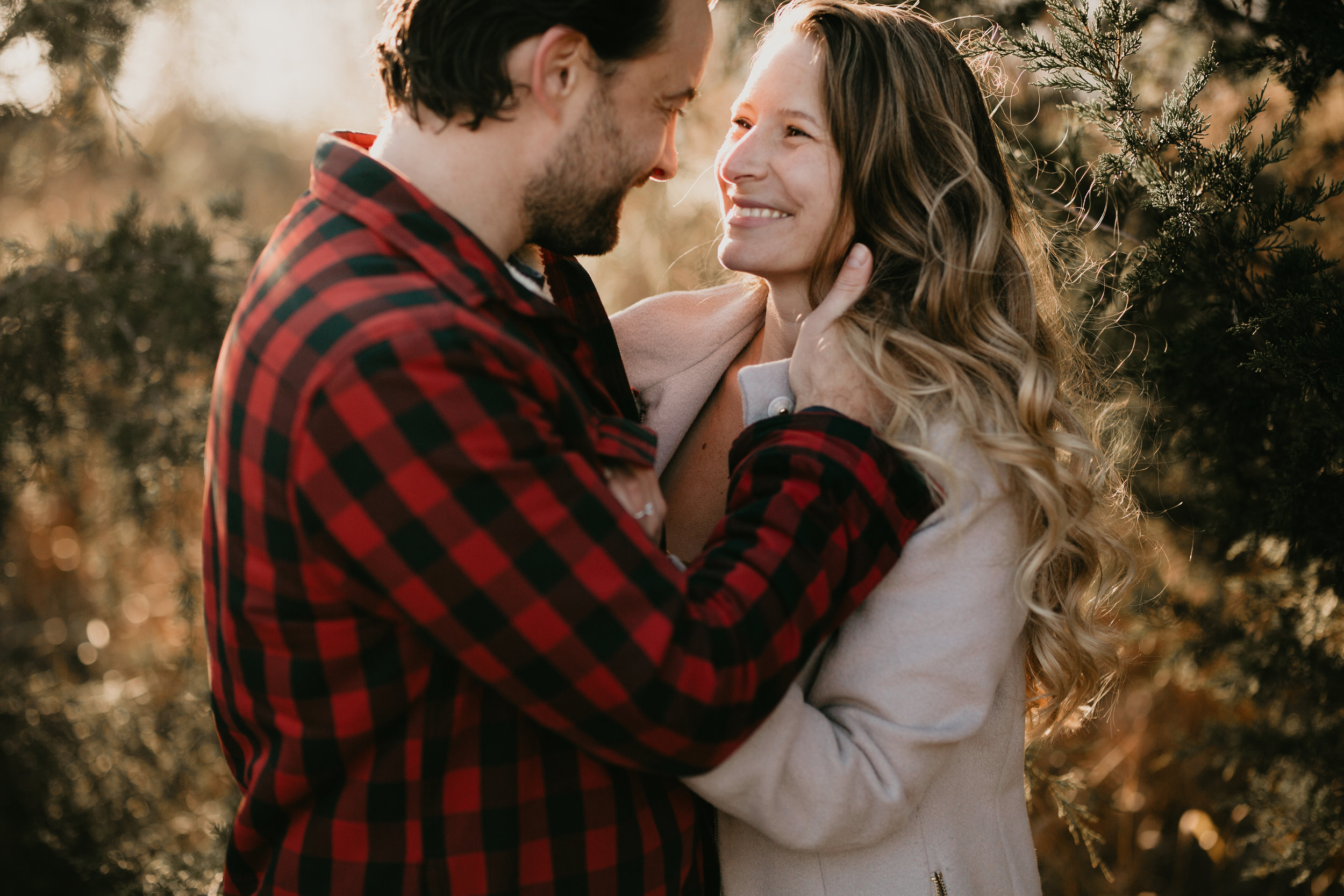 nicole-daacke-photography-white-cliffs-of-conoy-in-lancaster-pa-pennsylvania-adventure-session-adventure-elopement-photographer-engagement session-in-lancaster-pa-photographer-golden-sunset-winter-solstice-wedding-riverside-elopement-4805.jpg