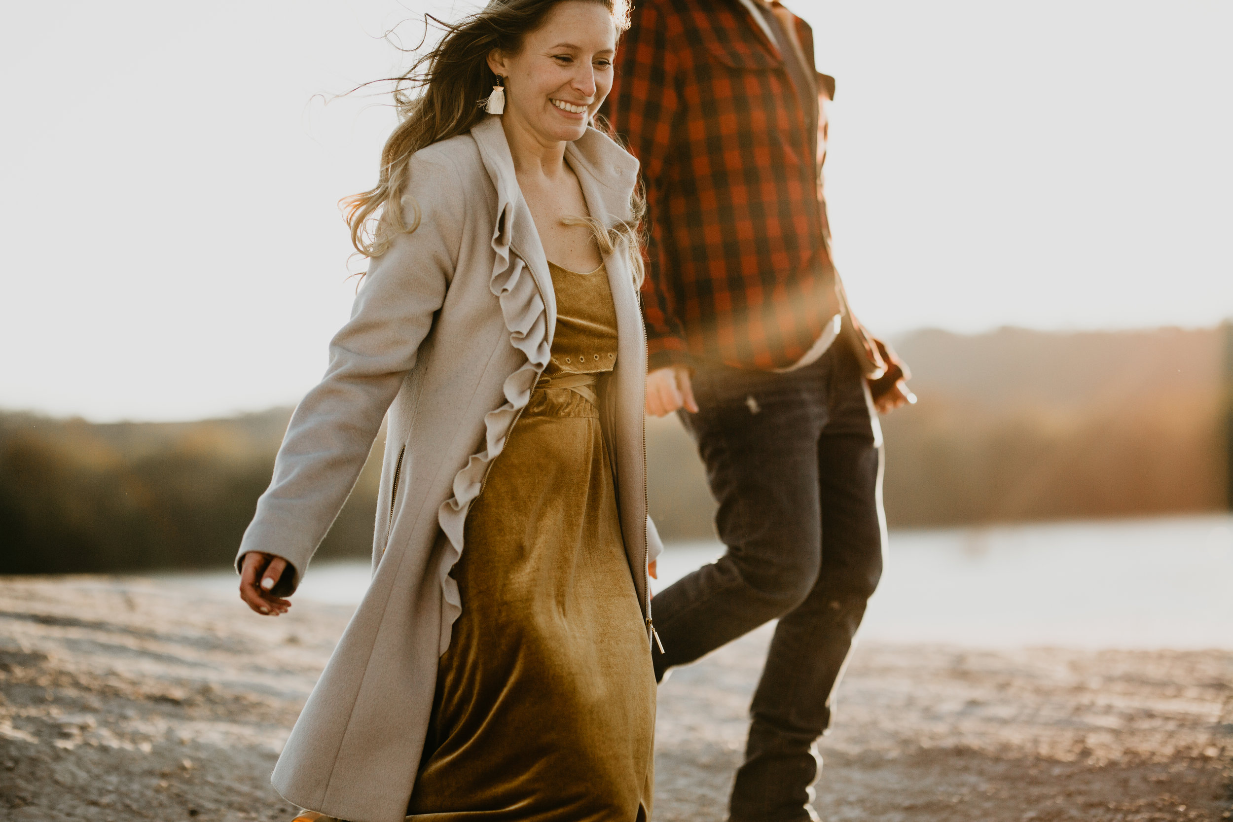 nicole-daacke-photography-white-cliffs-of-conoy-in-lancaster-pa-pennsylvania-adventure-session-adventure-elopement-photographer-engagement session-in-lancaster-pa-photographer-golden-sunset-winter-solstice-wedding-riverside-elopement-4986.jpg