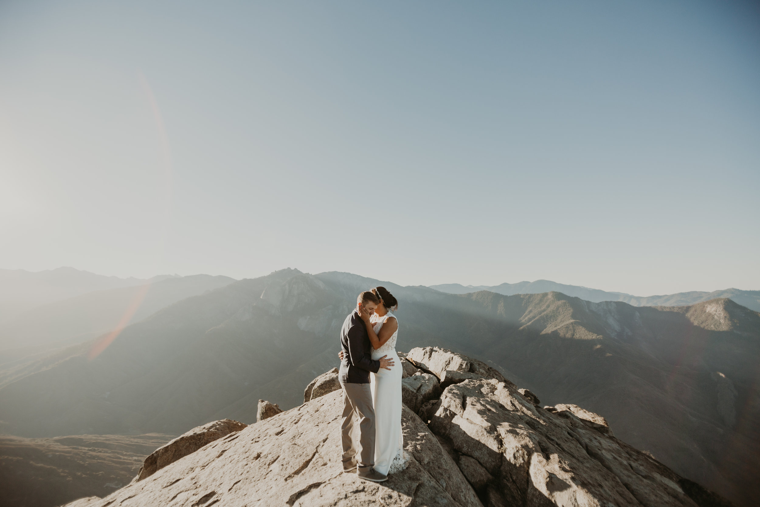 nicole-daacke-photography-sequoia-national-park-adventurous-elopement-sequoia-elopement-photographer-redwoods-california-intimate-wedding-photographer-5.jpg