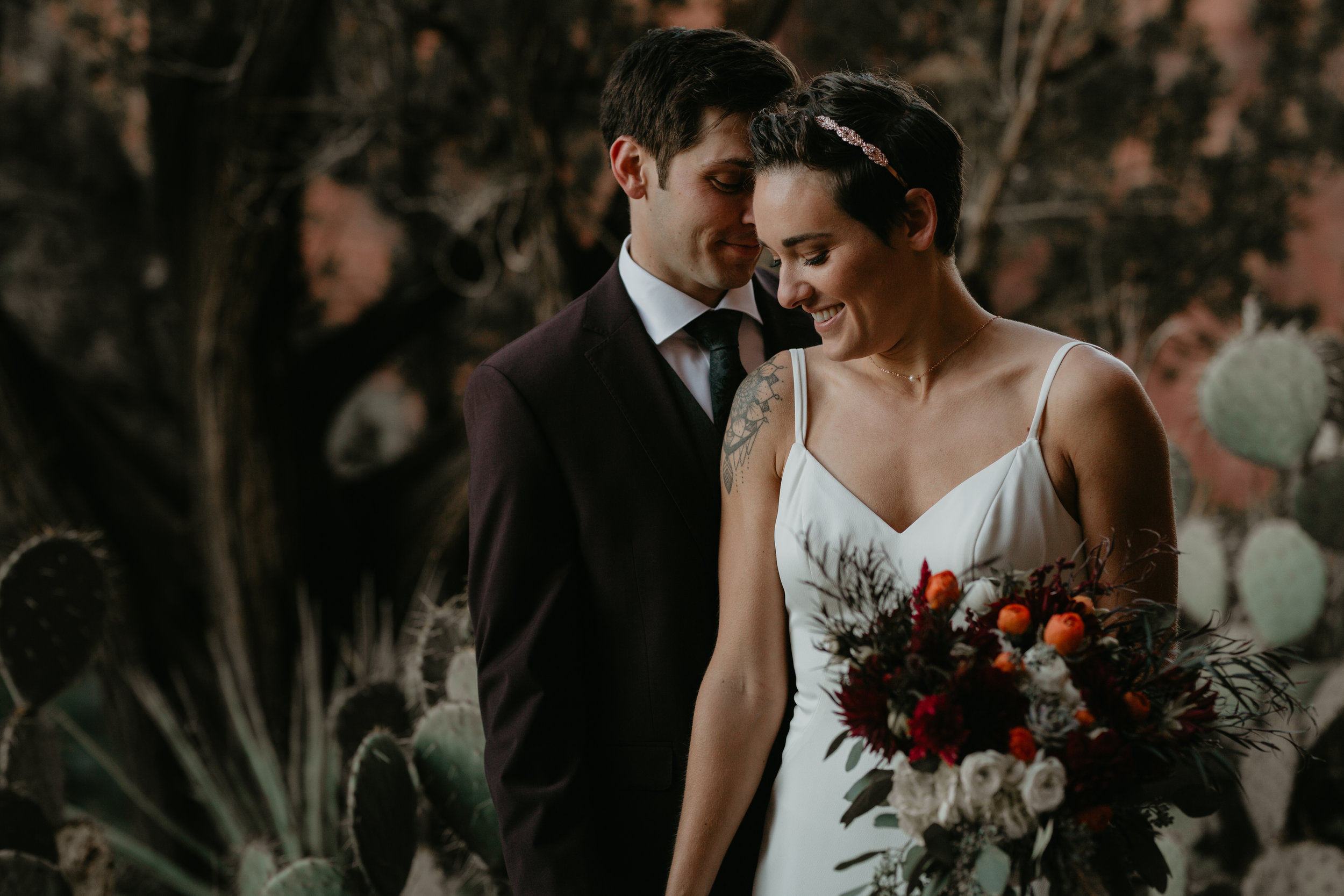 nicole-daacke-photography-sedona-arizona-adventurous-elopement-adventure-elope-photographer-cathedral-rock-sedona-vortex-intimate-wedding-hiking-elopement-photographer-16.jpg