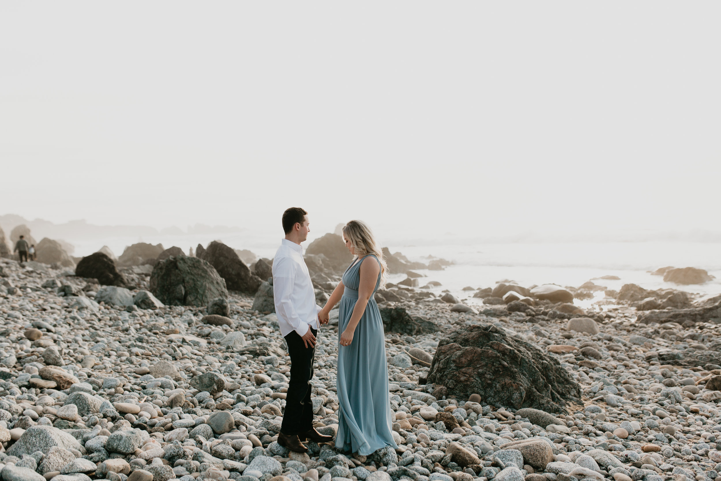 Nicole-Daacke-Photography-big-sur-garrapatta-state-park-adventurous-engagement-session-bixy-bridge-elopement-big-sur-wedding-photographer-monterey-elopement-photographer-california-golden-sunset-coast-photos-37.jpg