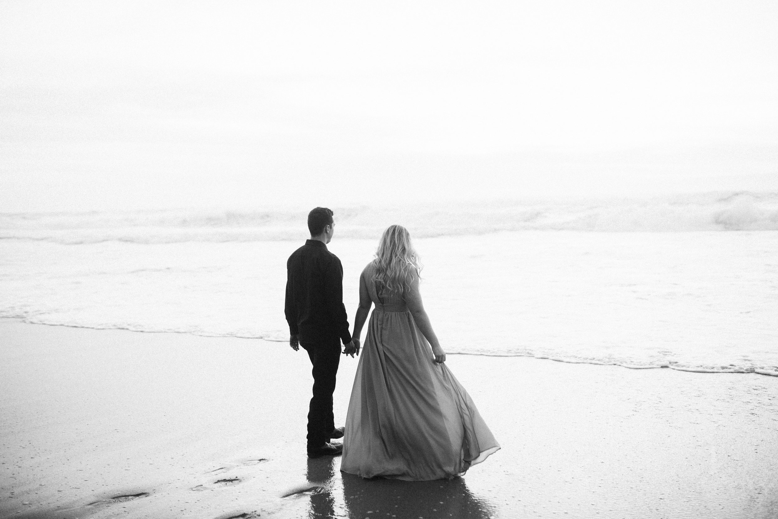 Nicole-Daacke-Photography-big-sur-garrapatta-state-park-adventurous-engagement-session-bixy-bridge-elopement-big-sur-wedding-photographer-monterey-elopement-photographer-california-golden-sunset-coast-photos-59.jpg