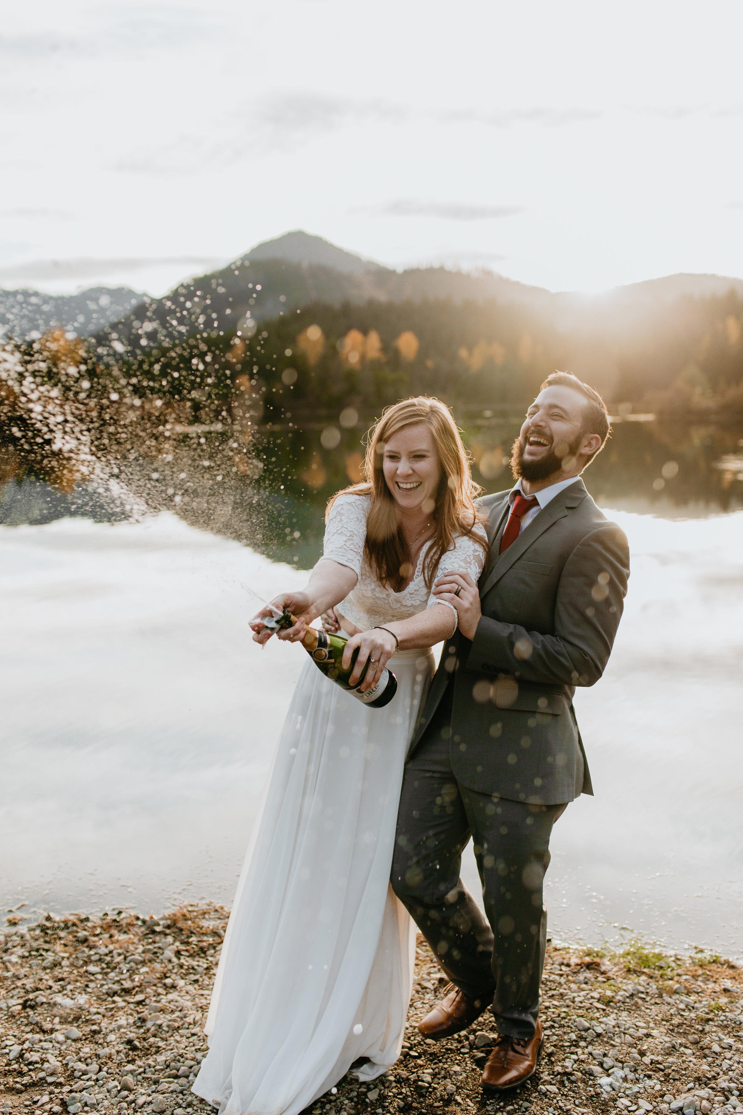 nicole-daacke-photography-mountain-view-elopement-at-gold-creek-pond-snoqualmie-washington-wa-elopement-photographer-photography-adventure-elopement-in-washington-fall-lakeside-golden-sunset-boho-fun-bride-0456.jpg