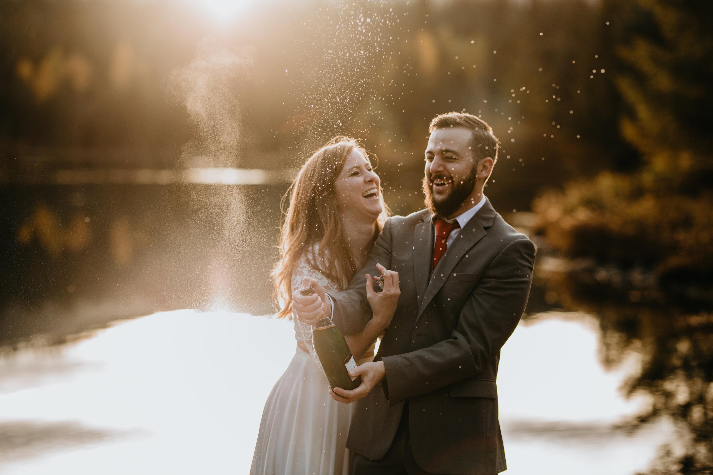 nicole-daacke-photography-mountain-view-elopement-at-gold-creek-pond-snoqualmie-washington-wa-elopement-photographer-photography-adventure-elopement-in-washington-fall-lakeside-golden-sunset-boho-fun-bride-2787.jpg