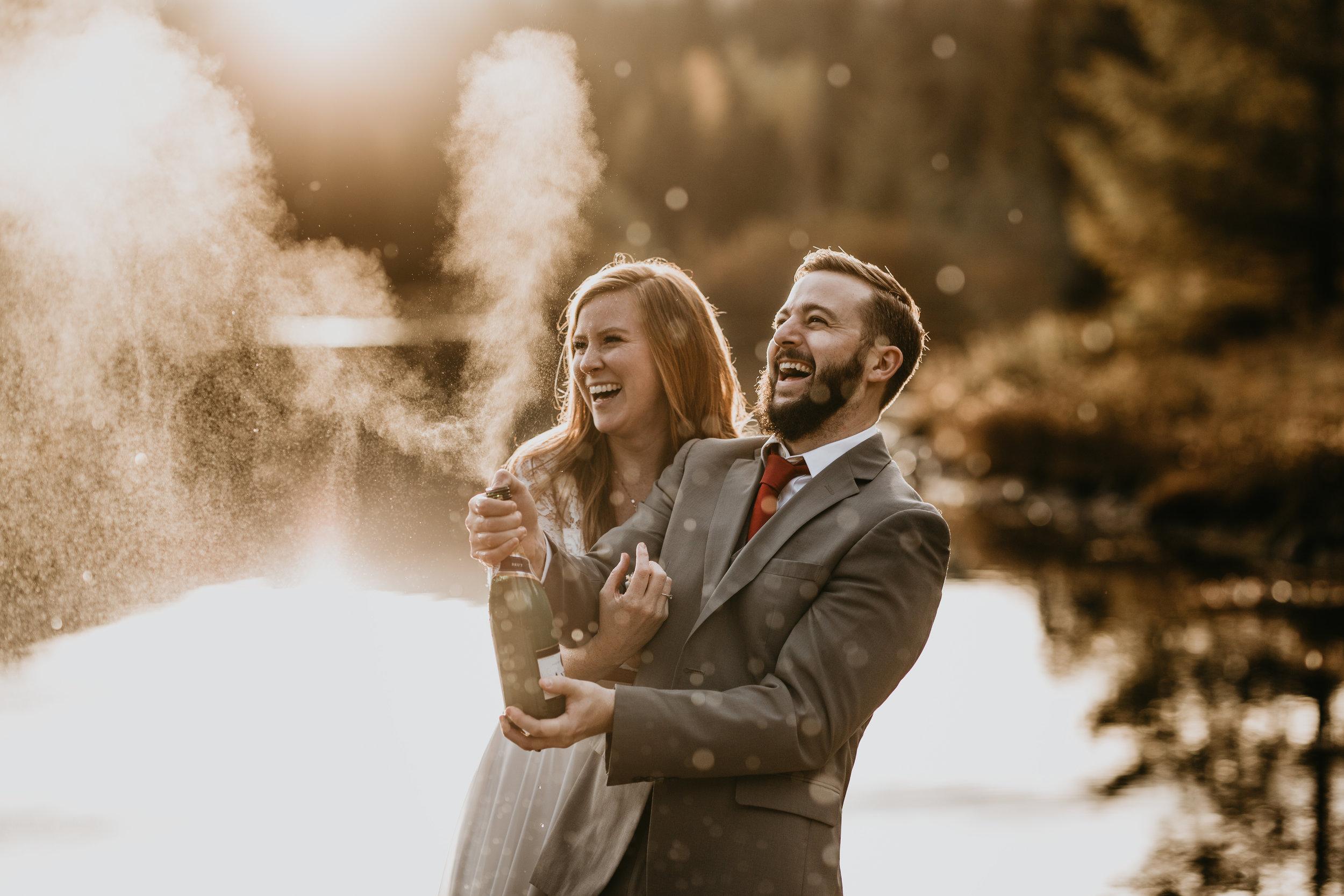 nicole-daacke-photography-mountain-view-elopement-at-gold-creek-pond-snoqualmie-washington-wa-elopement-photographer-photography-adventure-elopement-in-washington-fall-lakeside-golden-sunset-boho-fun-bride-2788.jpg