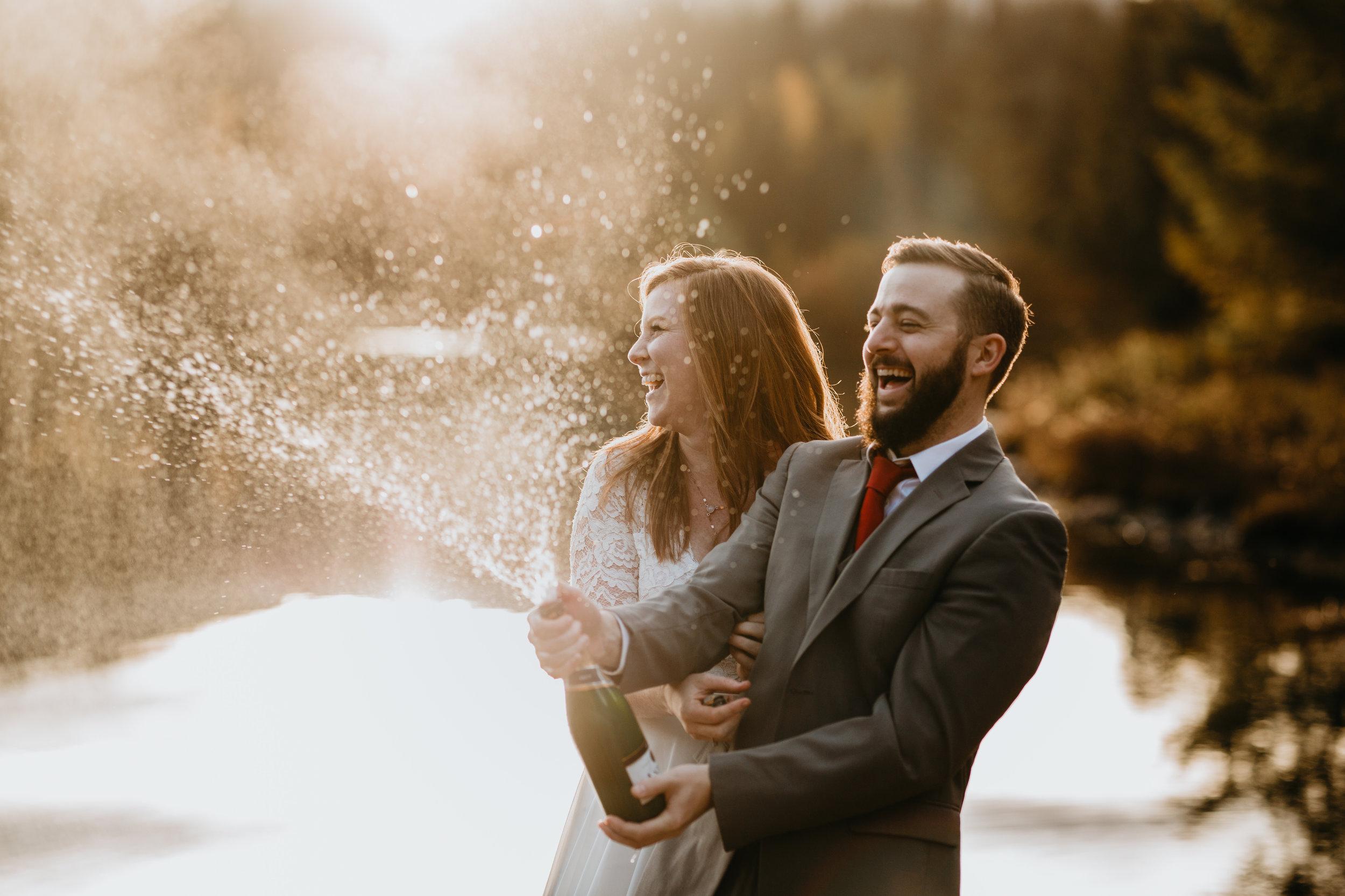 nicole-daacke-photography-mountain-view-elopement-at-gold-creek-pond-snoqualmie-washington-wa-elopement-photographer-photography-adventure-elopement-in-washington-fall-lakeside-golden-sunset-boho-fun-bride-2789.jpg