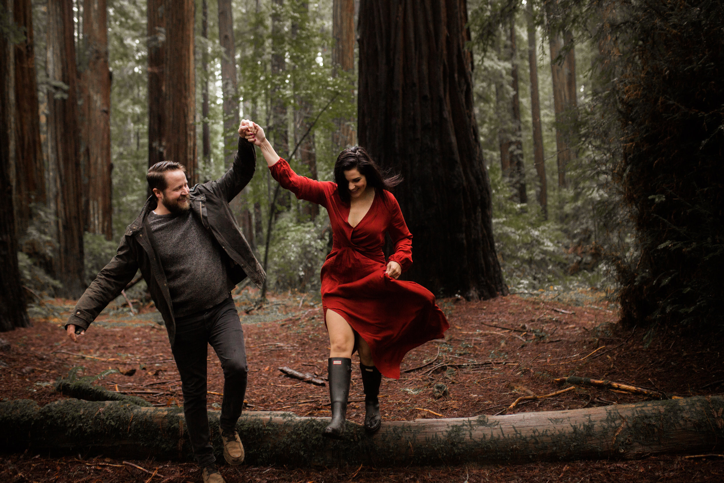 nicole-daacke-photography-redwoods-national-park-forest-rainy-foggy-adventure-engagement-session-humboldt-county-old-growth-redwood-tree-elopement-intimate-wedding-photographer-33.jpg