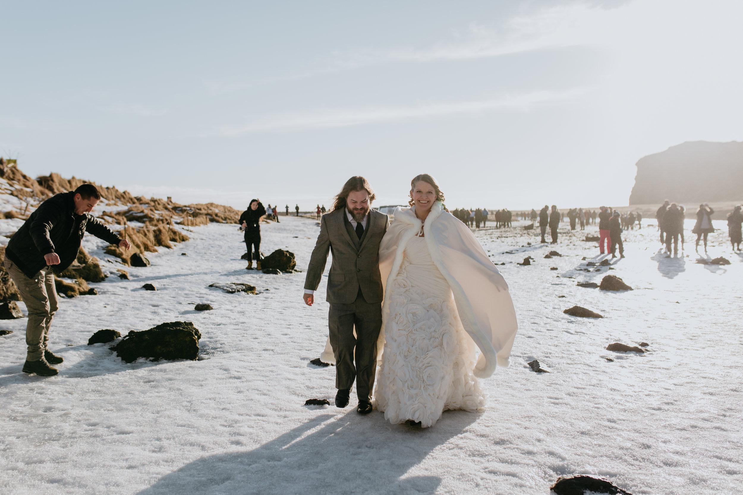 nicole-daacke-photography-iceland-winter-sunset-adventure-elopement-skogafoss-waterfall-black-sand-beach-dyrholaey-vik-iceland-intimate-wedding-black-church-elopement-photographer-6.jpg