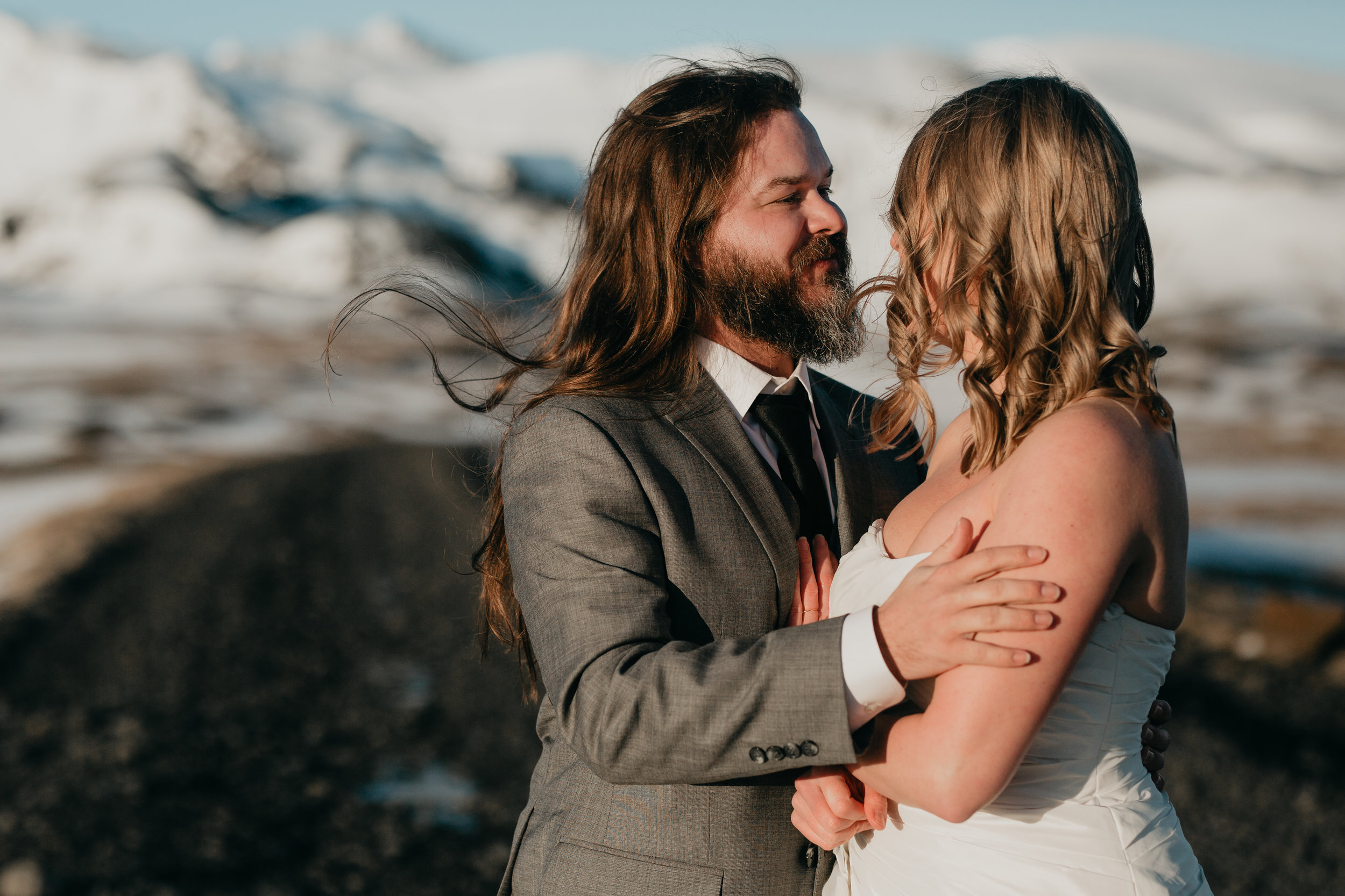 nicole-daacke-photography-iceland-winter-sunset-adventure-elopement-skogafoss-waterfall-black-sand-beach-dyrholaey-vik-iceland-intimate-wedding-black-church-elopement-photographer-20.jpg