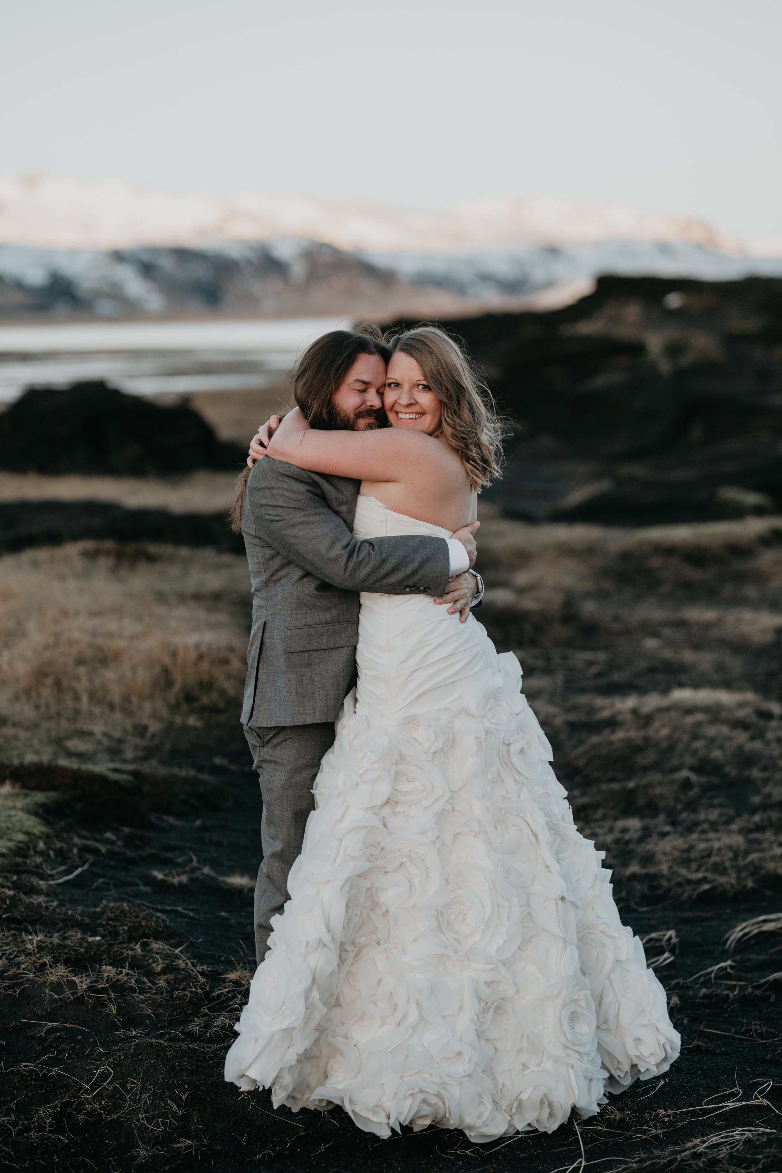 nicole-daacke-photography-iceland-winter-sunset-adventure-elopement-skogafoss-waterfall-black-sand-beach-dyrholaey-vik-iceland-intimate-wedding-black-church-elopement-photographer-29.jpg
