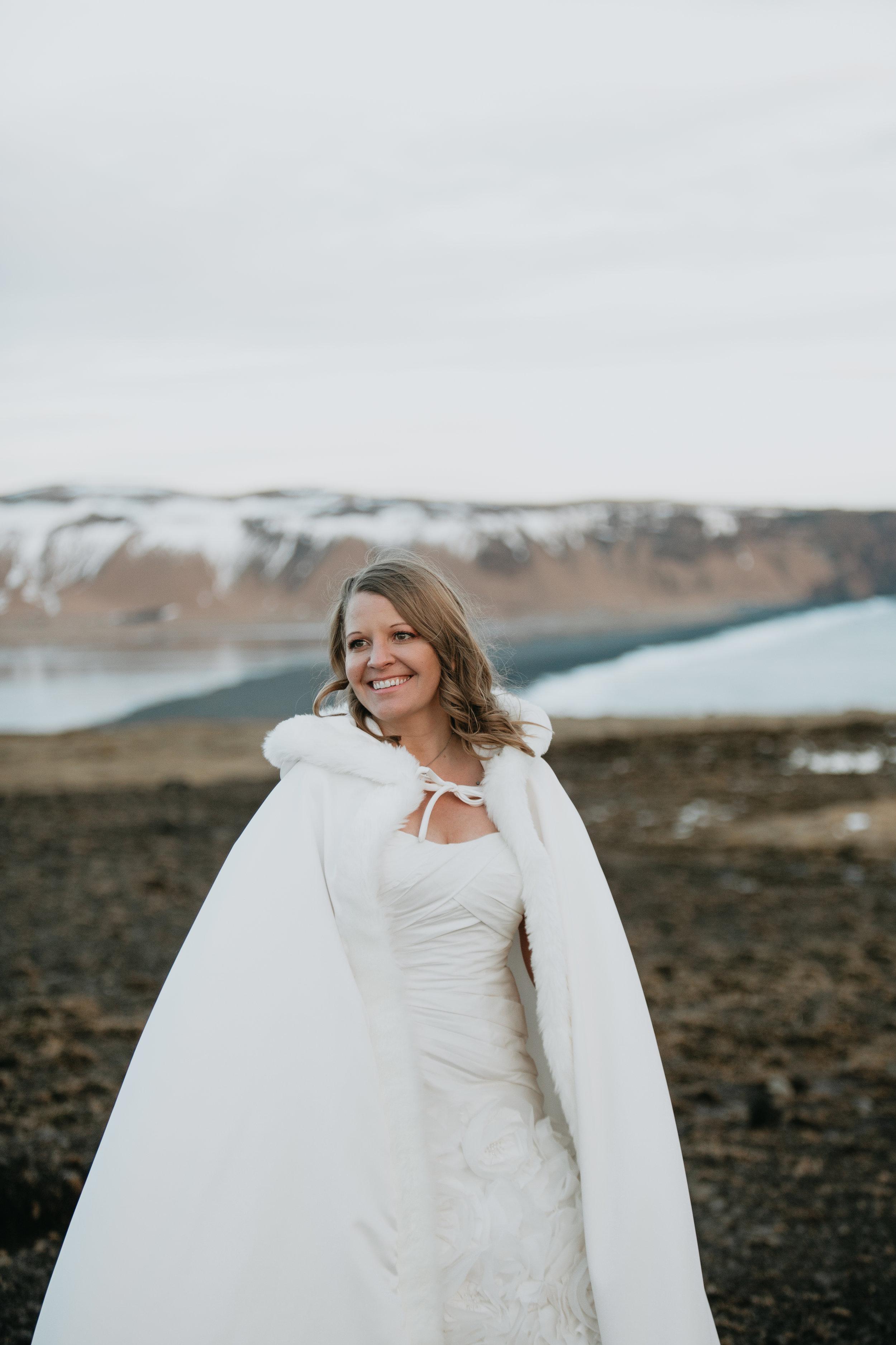 nicole-daacke-photography-iceland-winter-sunset-adventure-elopement-skogafoss-waterfall-black-sand-beach-dyrholaey-vik-iceland-intimate-wedding-black-church-elopement-photographer-33.jpg
